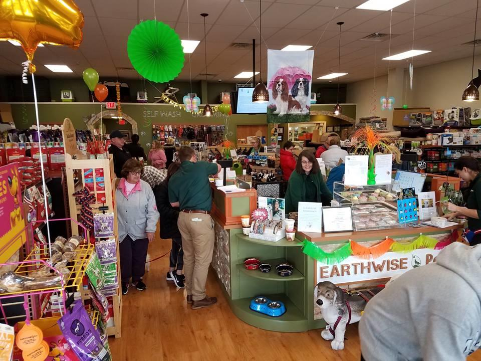 EarthWise Pet/ Turnersville image 17