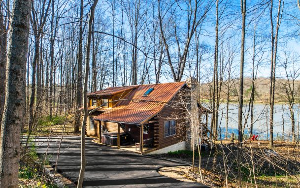 Cabins at Waters Edge image 1