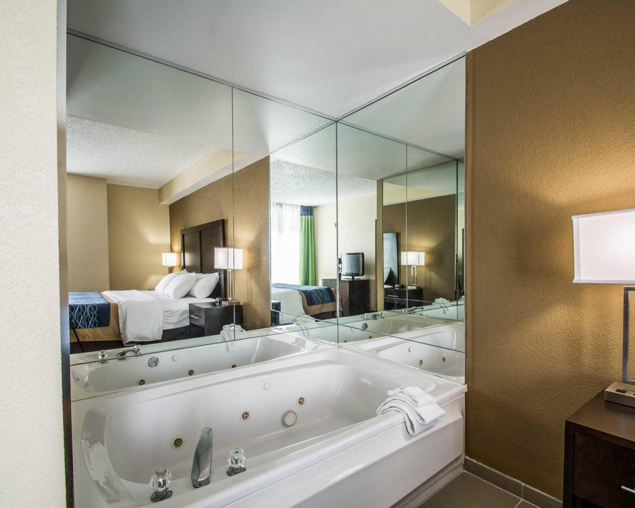 Comfort Inn & Suites Lantana - West Palm Beach South image 21
