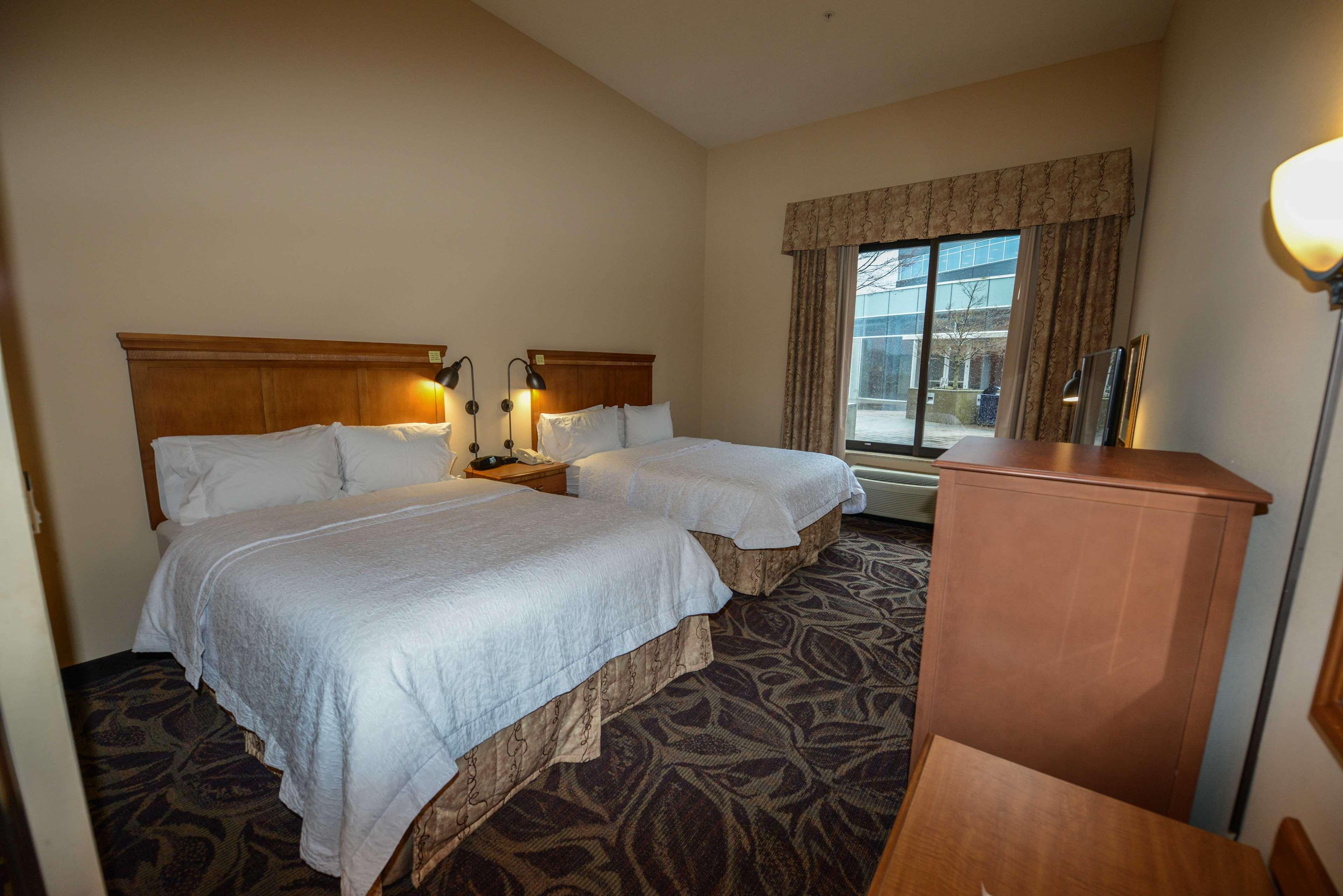 Hampton Inn & Suites Bremerton image 45