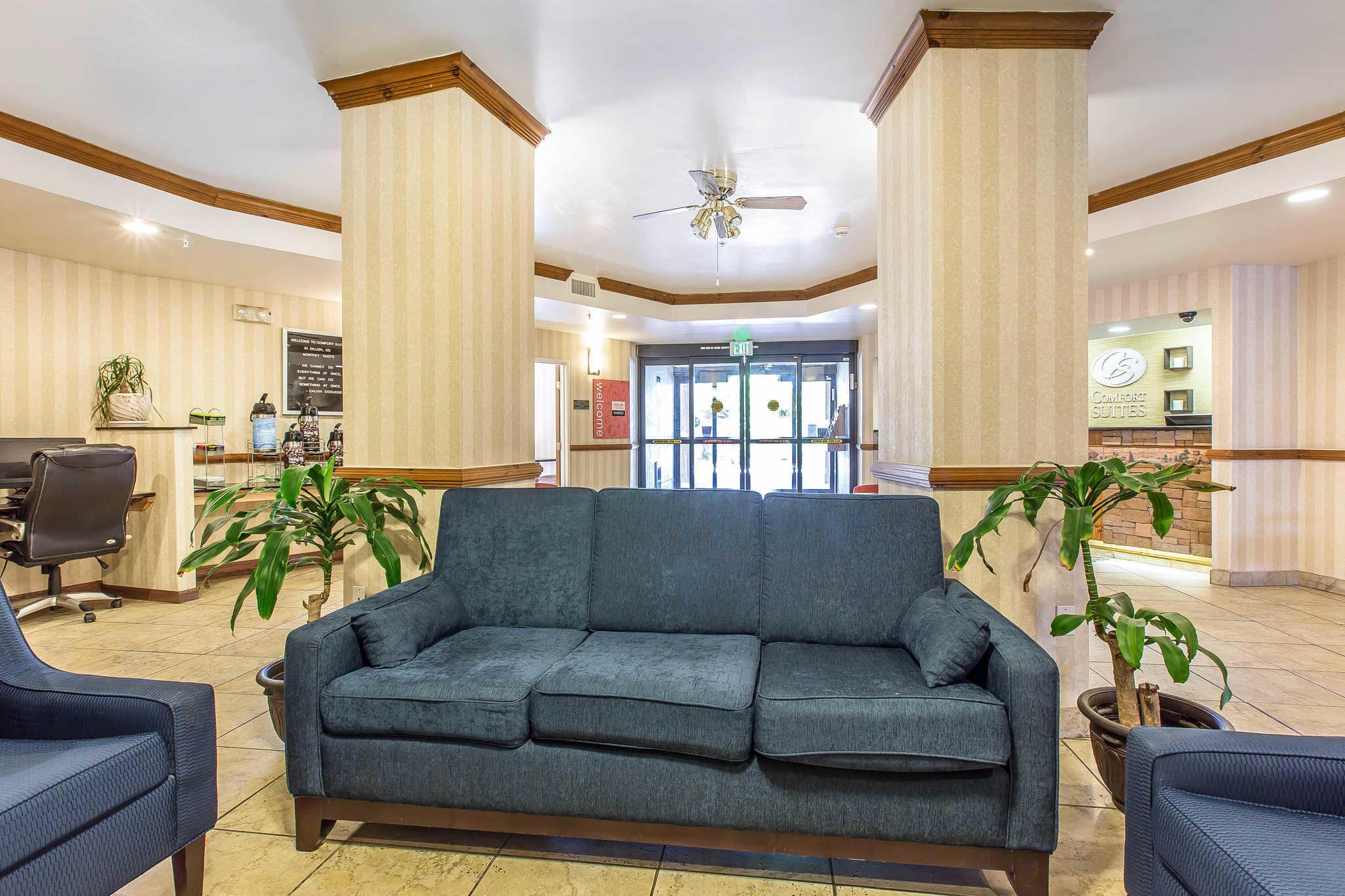 Comfort Suites Summit County image 4