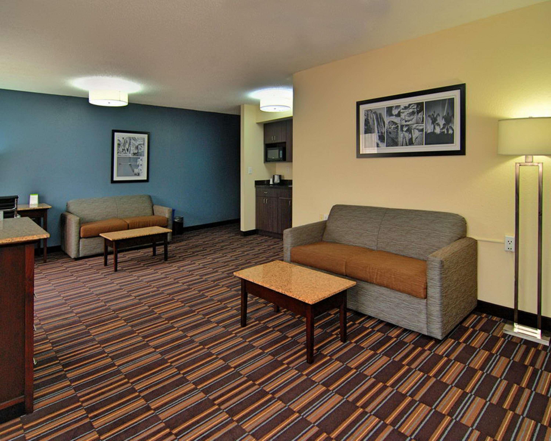 Best Western Plus Elizabeth City Inn & Suites image 34