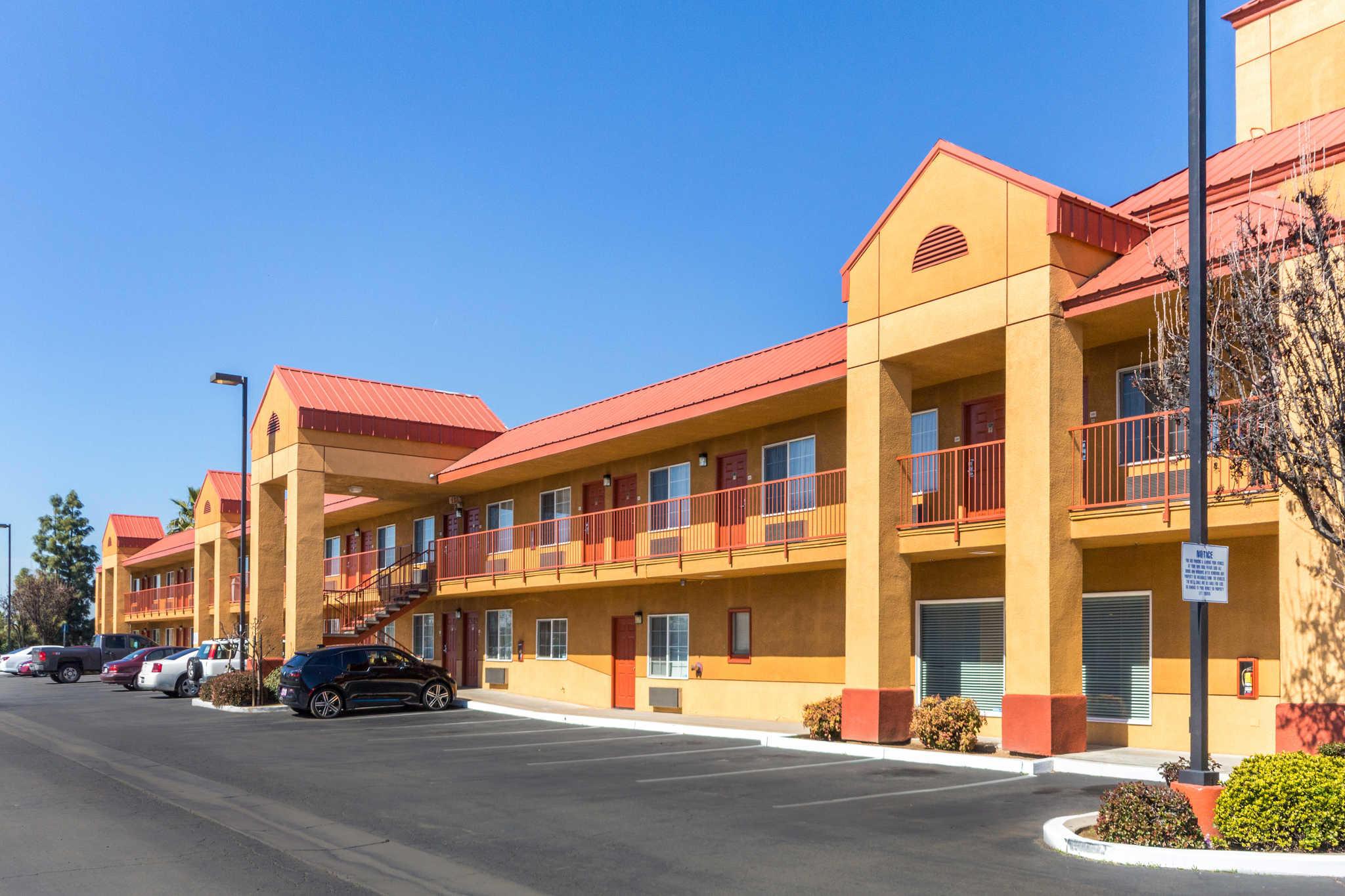Quality Inn Fresno Near University image 33