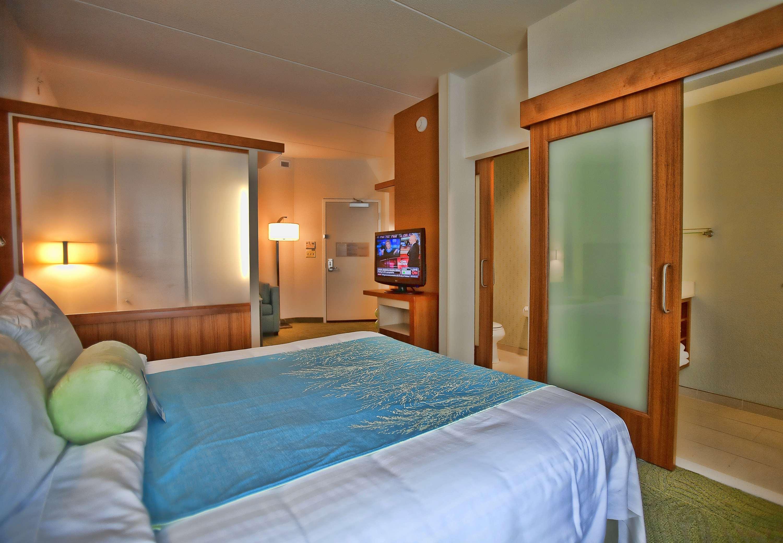 SpringHill Suites by Marriott Houston Rosenberg image 6