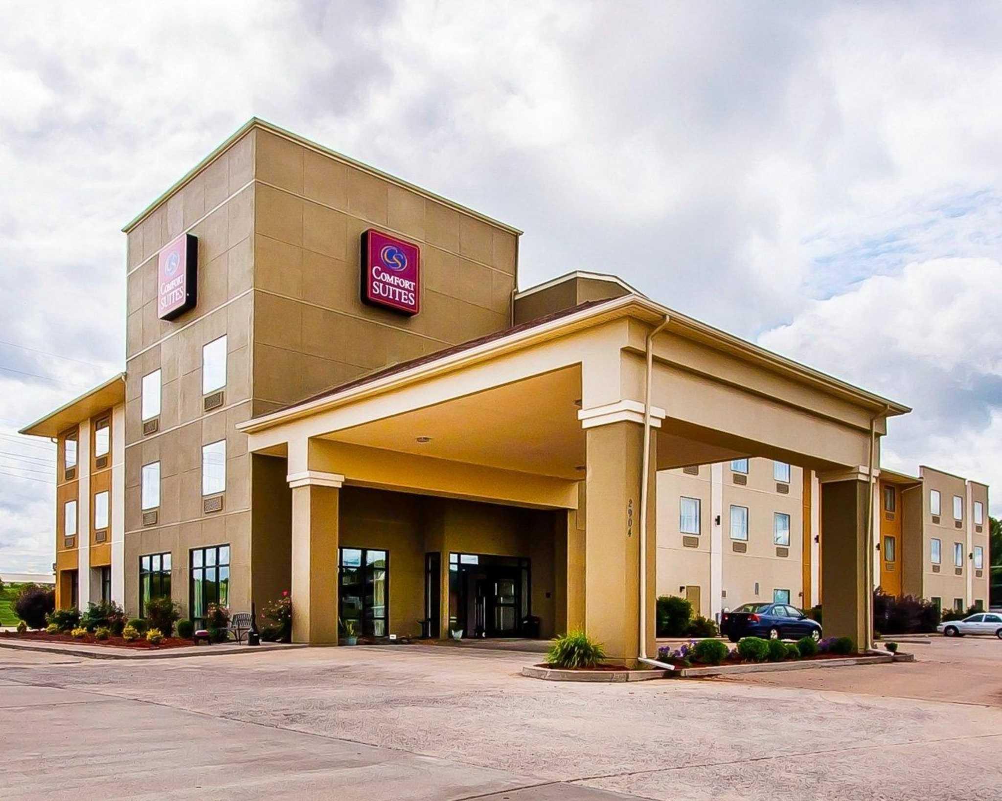 Comfort Suites Jackson-Cape Girardeau image 2