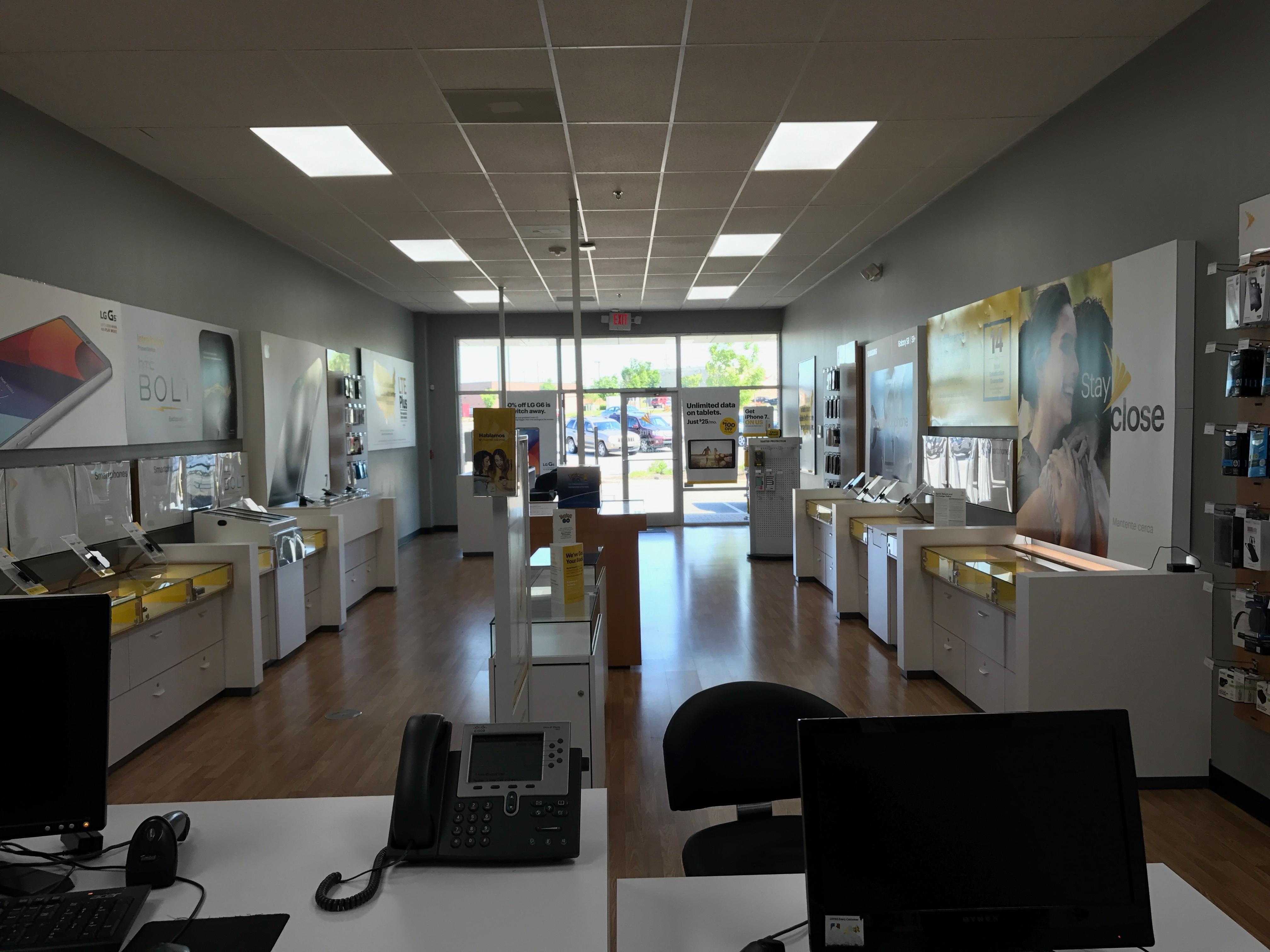 Sprint Store image 3