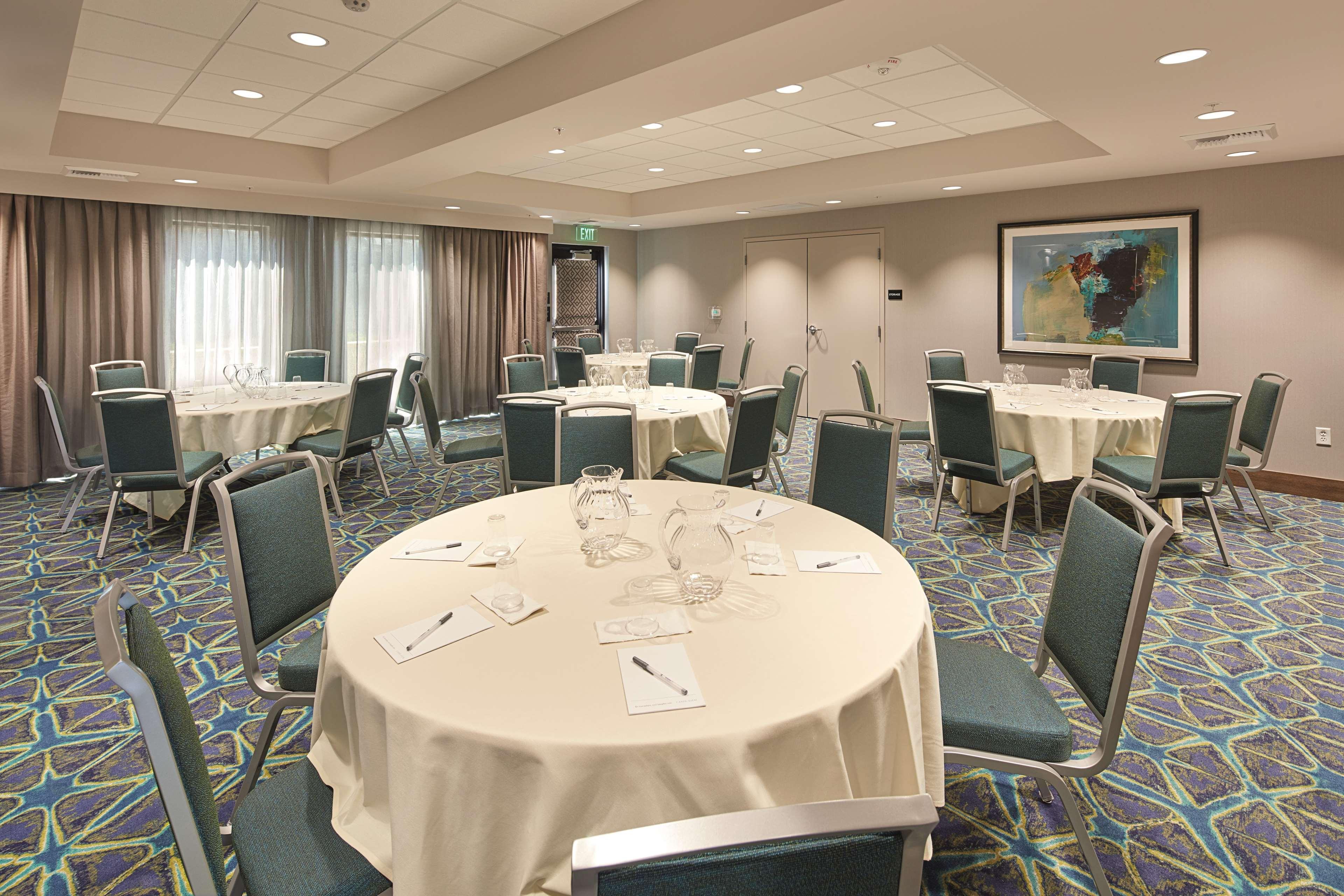 Hampton Inn & Suites Sacramento at CSUS image 0