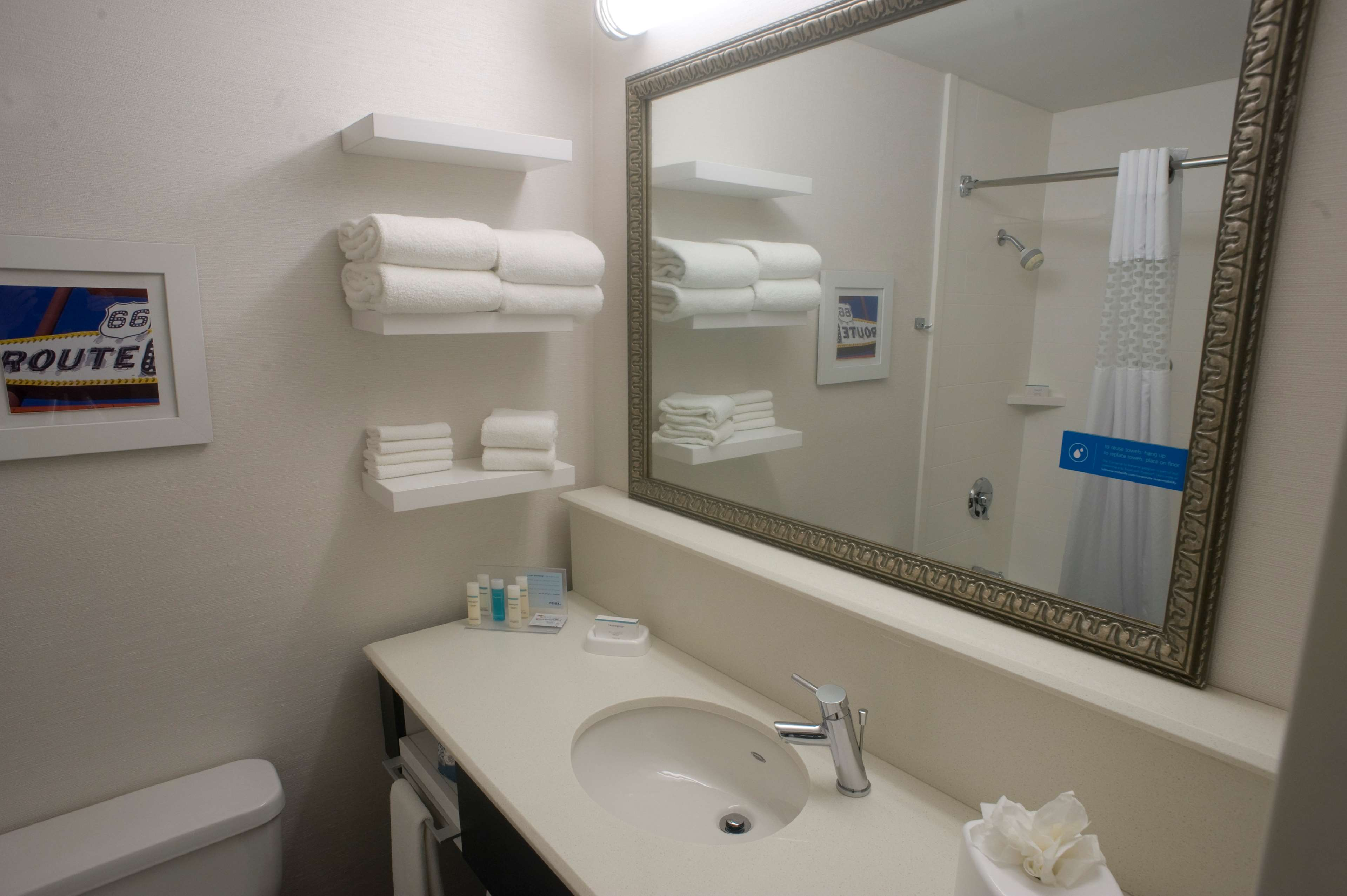 Hampton Inn Springfield-South image 26