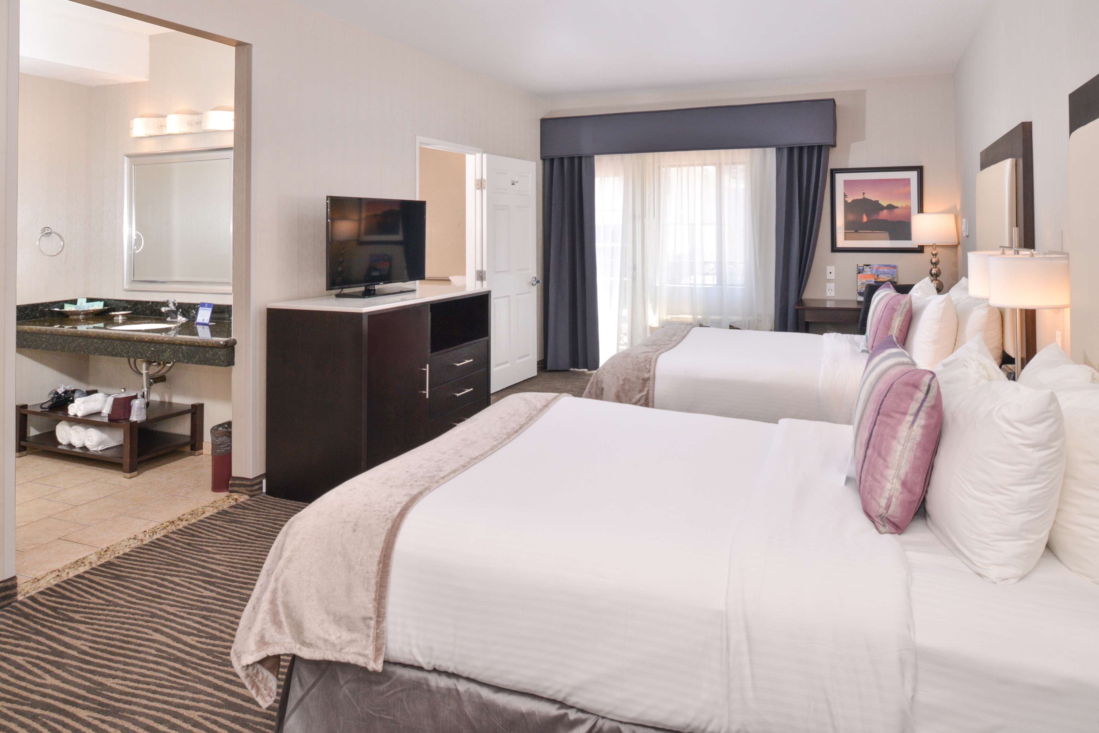 Best Western Plus Hotel at the Convention Center image 15