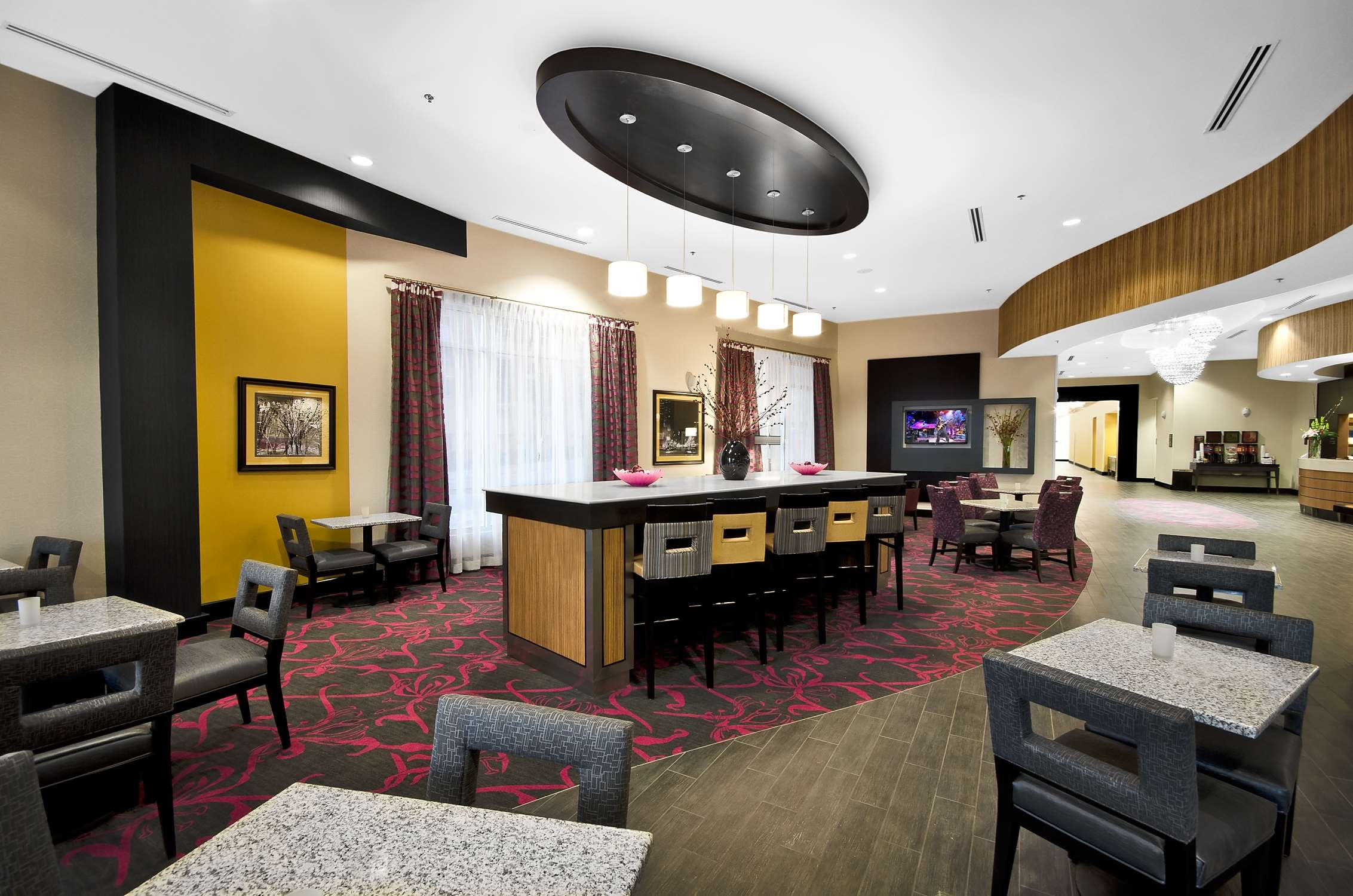 Hampton Inn & Suites Raleigh Downtown image 4