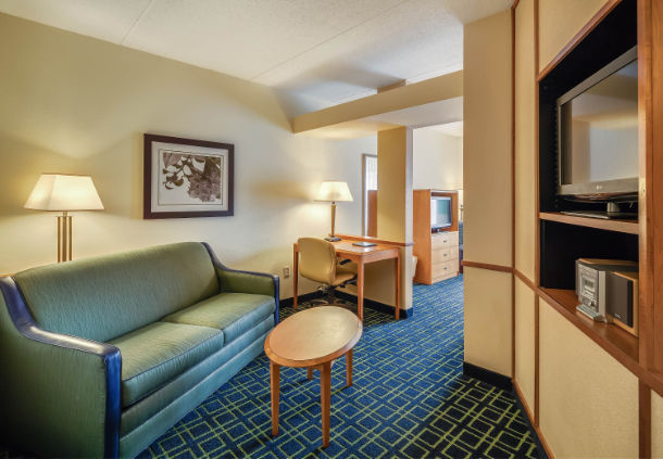 Fairfield Inn & Suites by Marriott Jacksonville Beach image 5