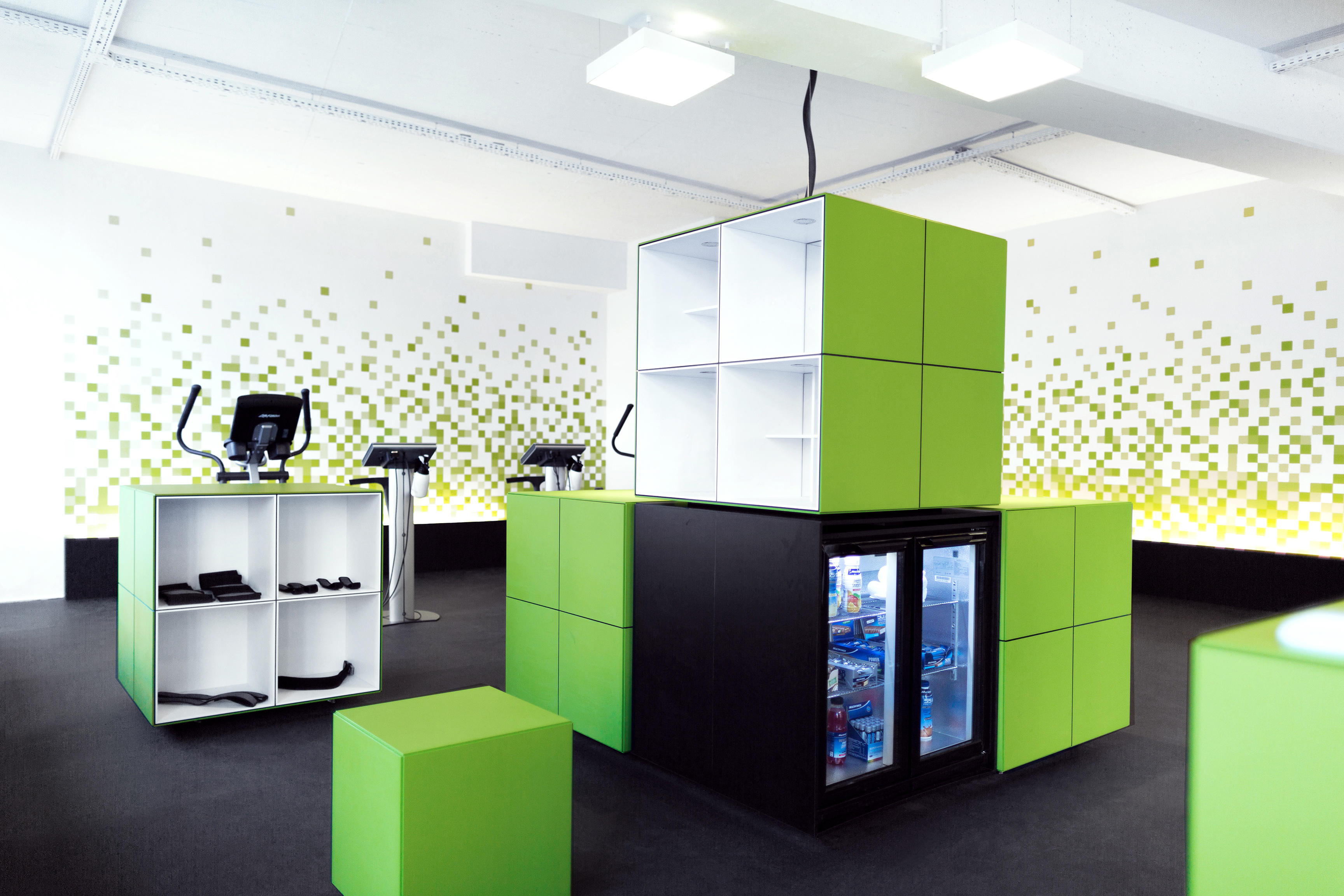 ems fitnessstudio fitbox berlin kollwitzplatz in berlin branchenbuch deutschland. Black Bedroom Furniture Sets. Home Design Ideas