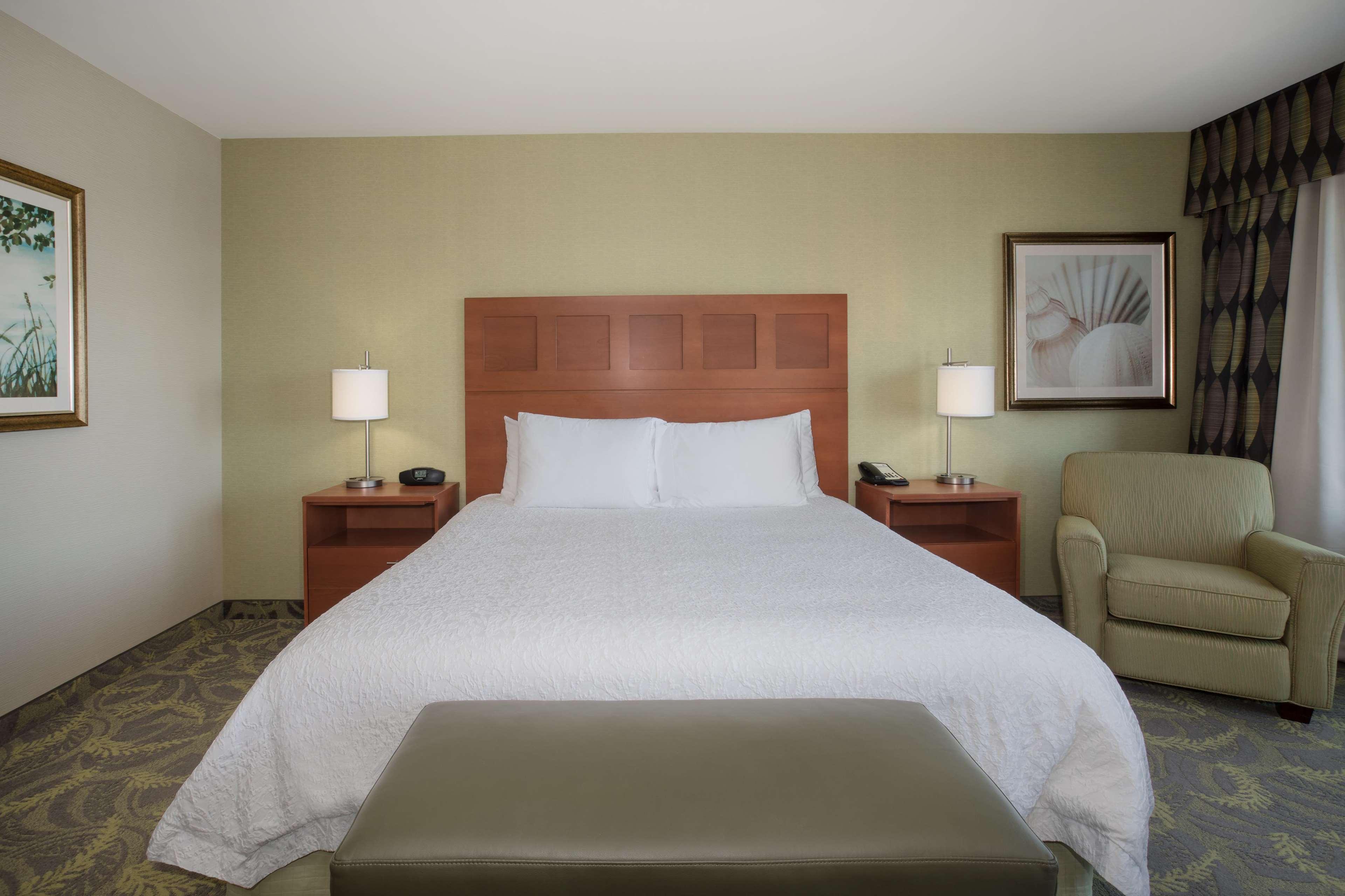 Hampton Inn & Suites Astoria image 21