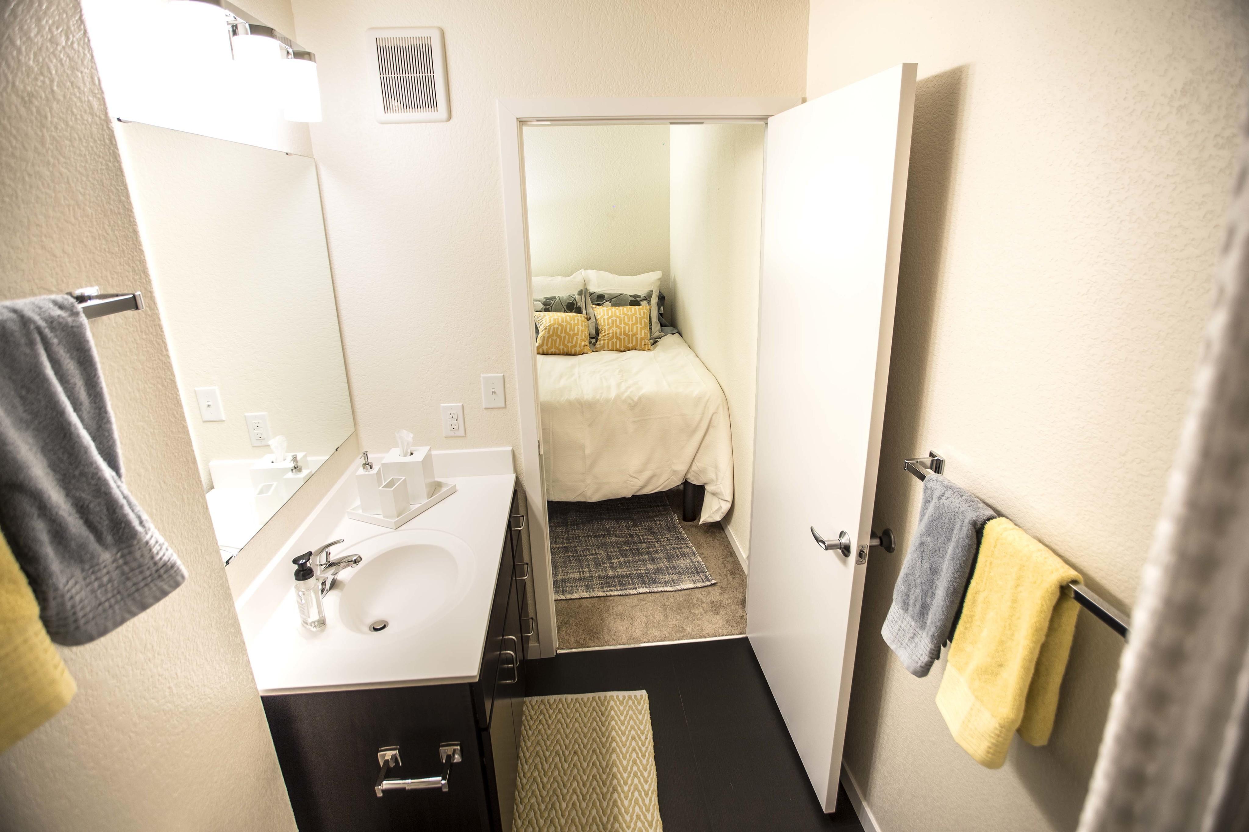 WaHu Apartments image 8