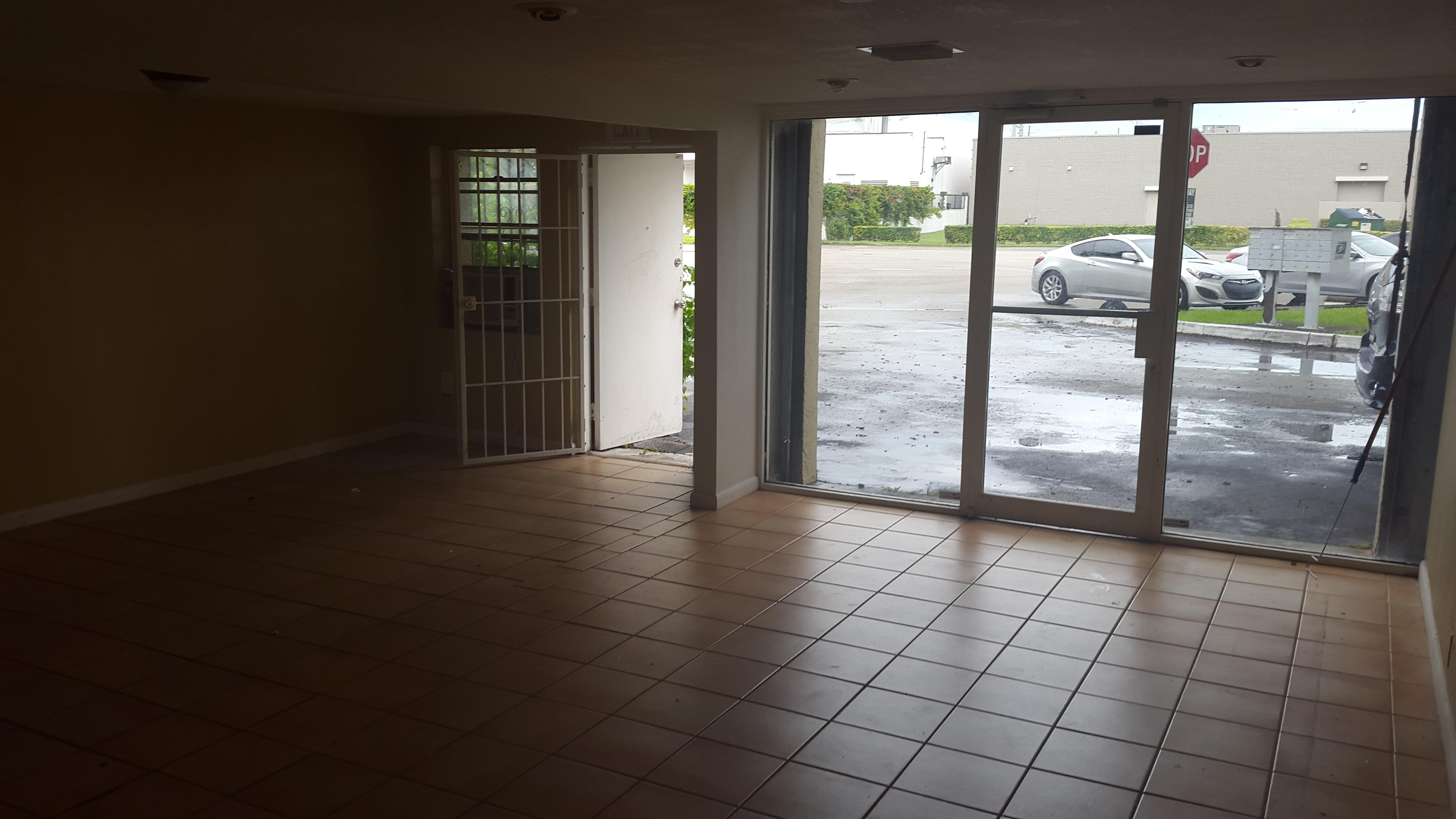 Warehouse for Rent in Miami image 15