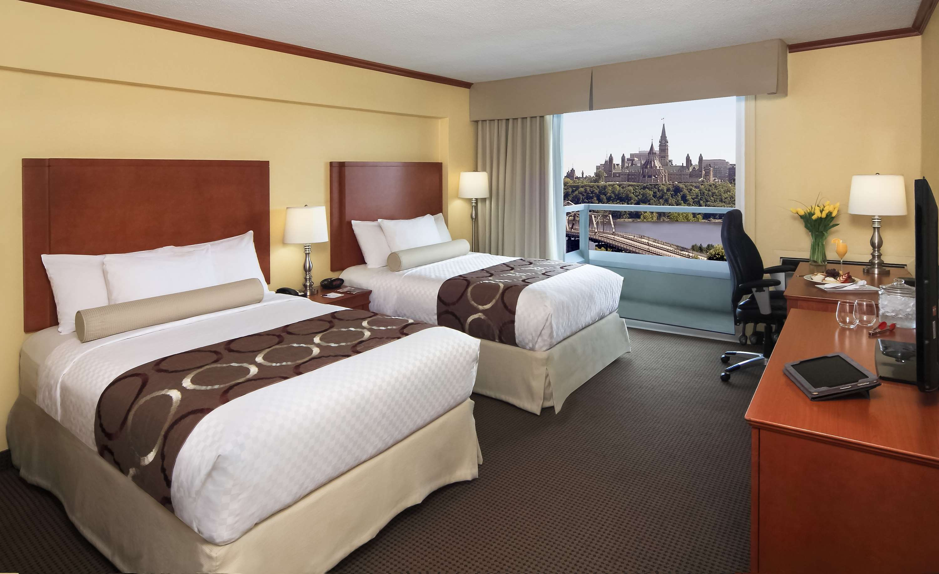 Best Western Plus Gatineau-Ottawa à Gatineau: 2 Double Beds Parliament view with B