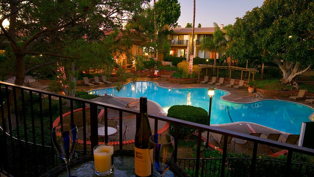 Mediterranean Village Apartment Homes - Costa Mesa image 2