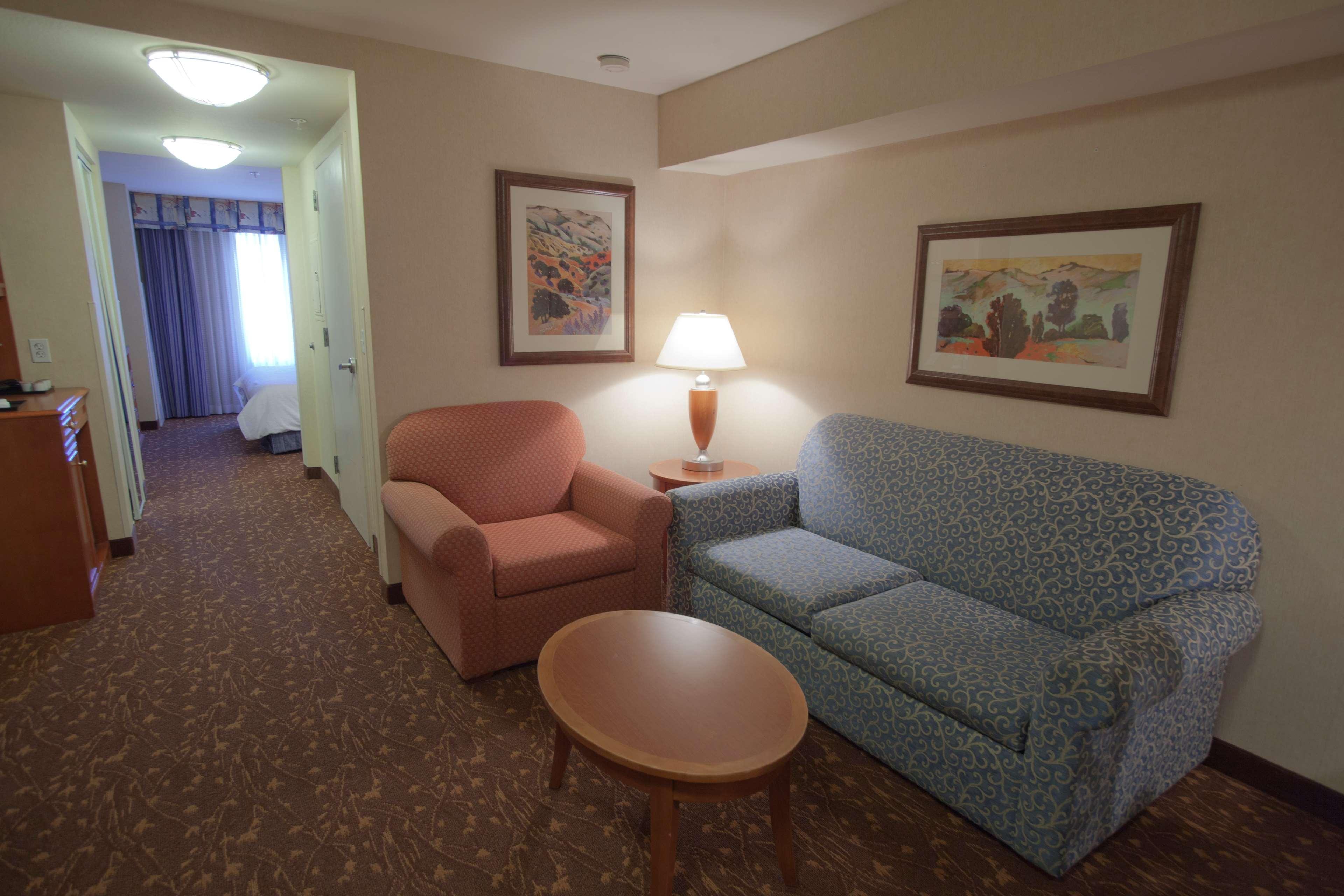Hilton Garden Inn Albuquerque/Journal Center image 20