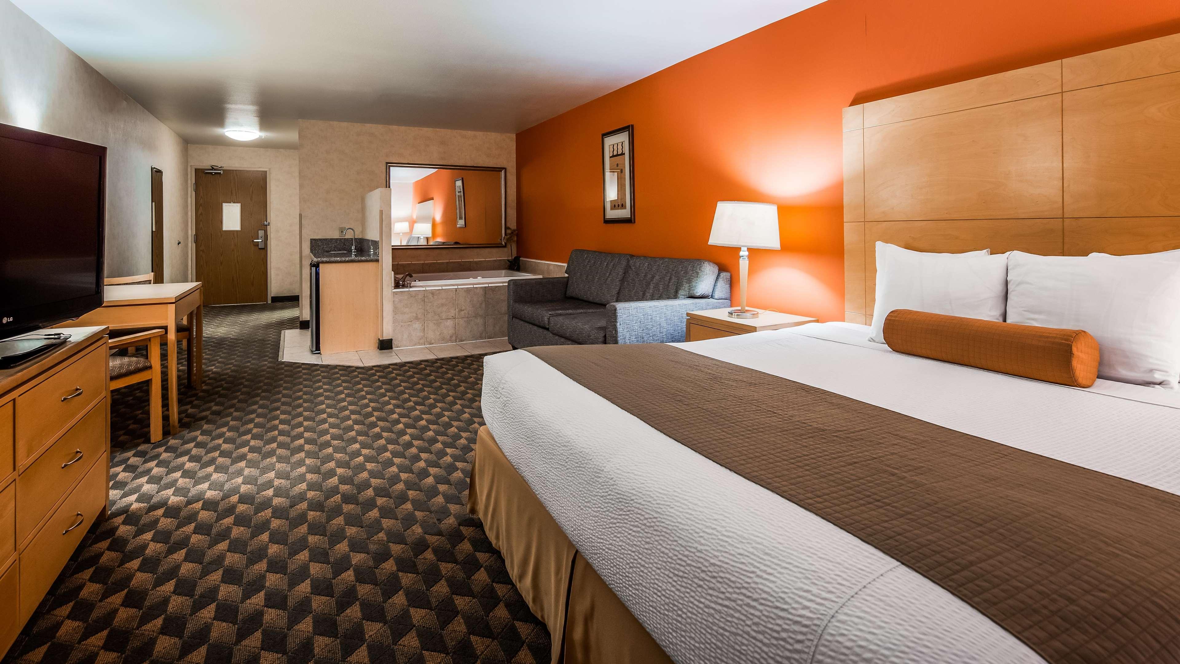 Best Western Plus North Las Vegas Inn & Suites image 12