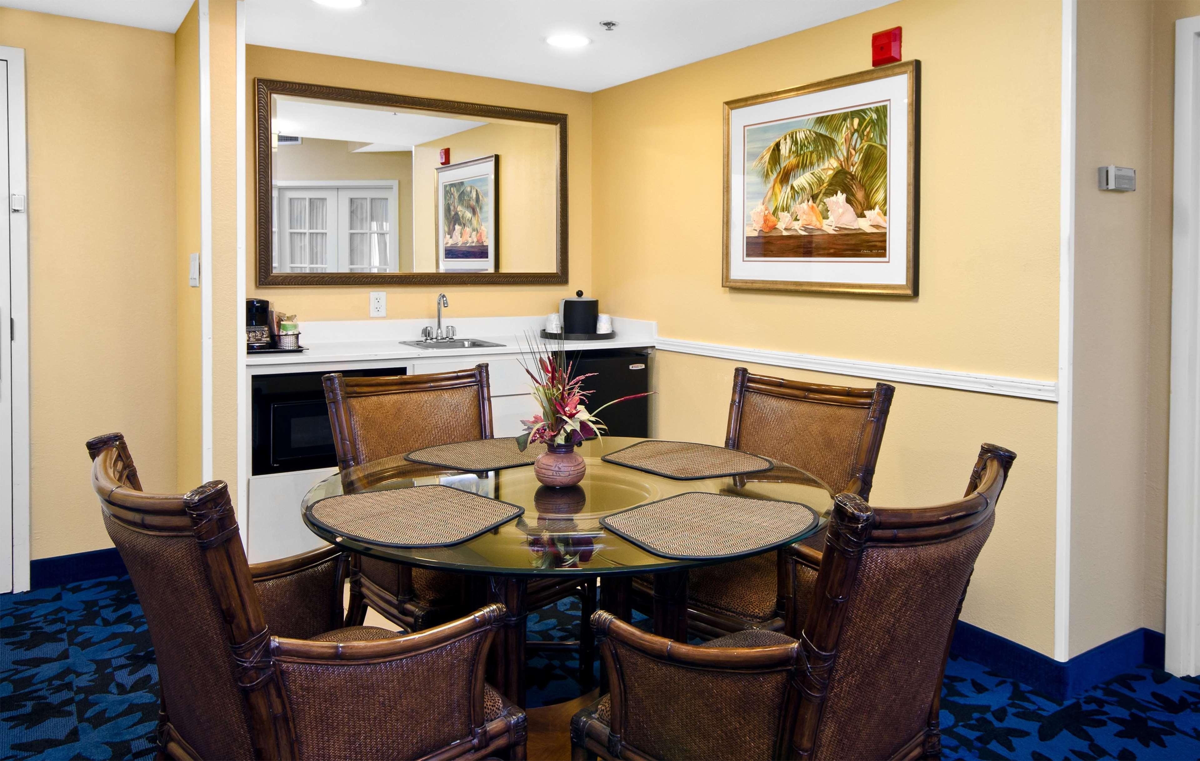 Hampton Inn & Suites Jacksonville South-St. Johns Town Center Area image 30