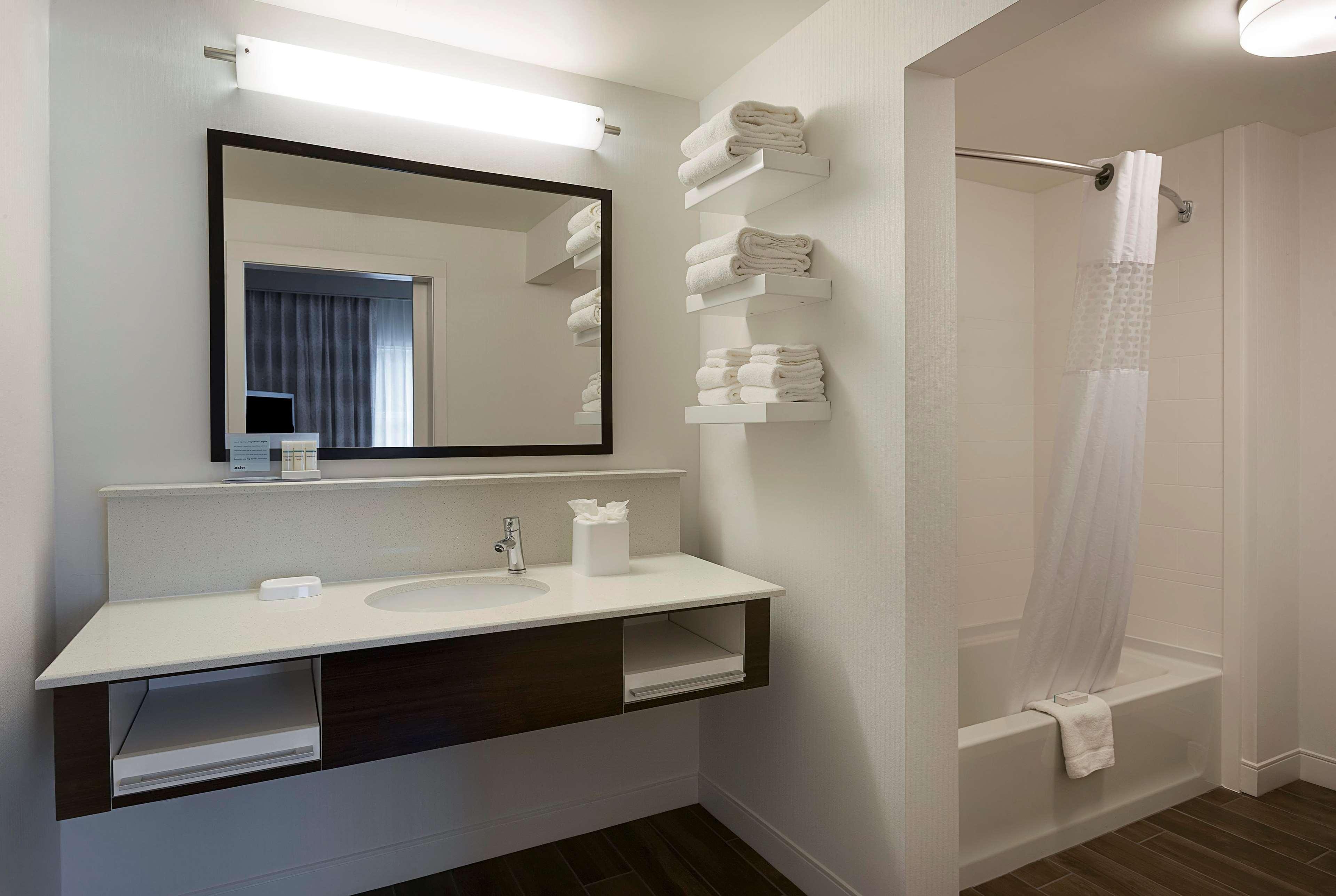 Hampton Inn & Suites Charlotte/Pineville image 21