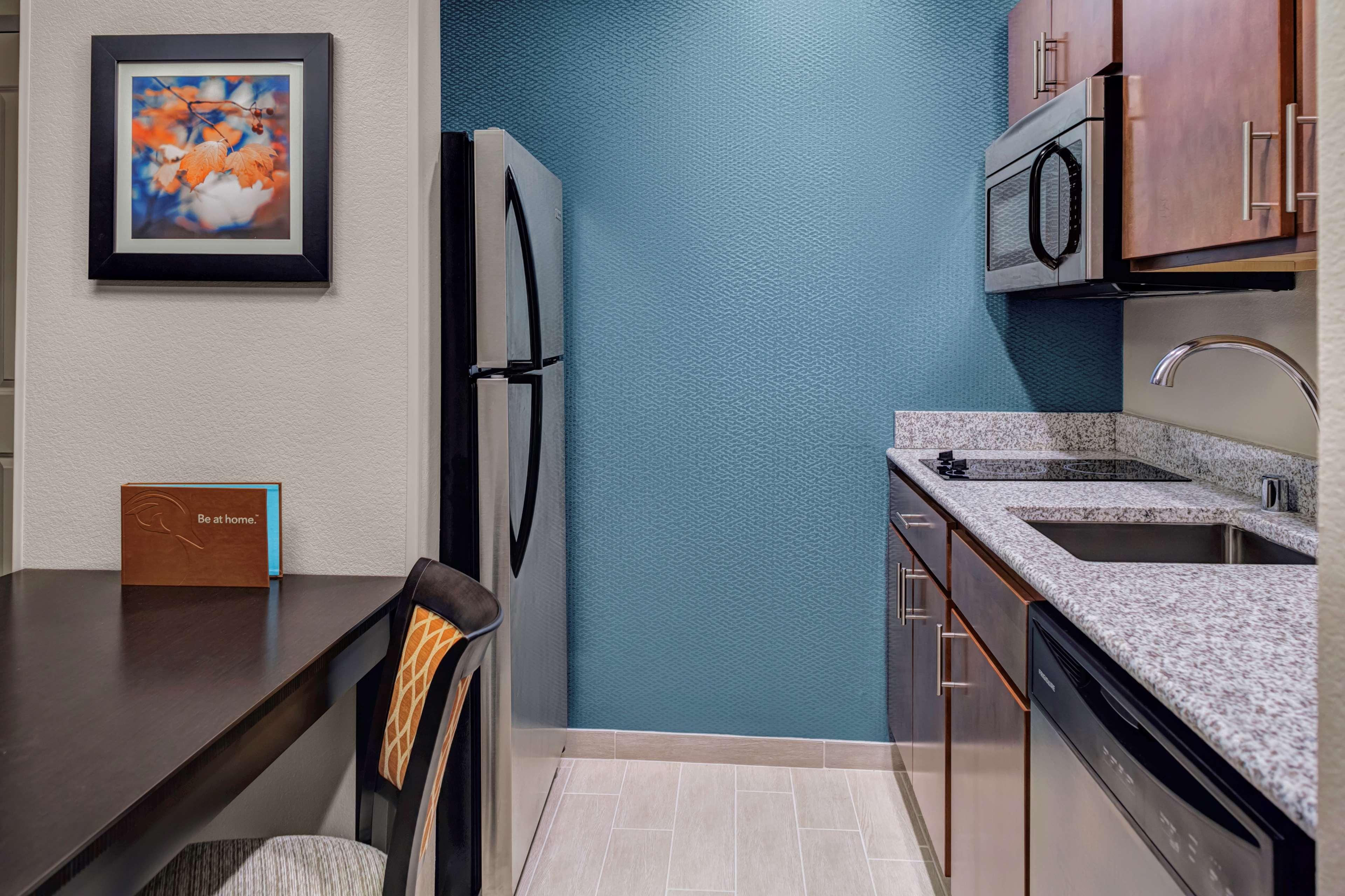Homewood Suites by Hilton Wauwatosa Milwaukee image 16
