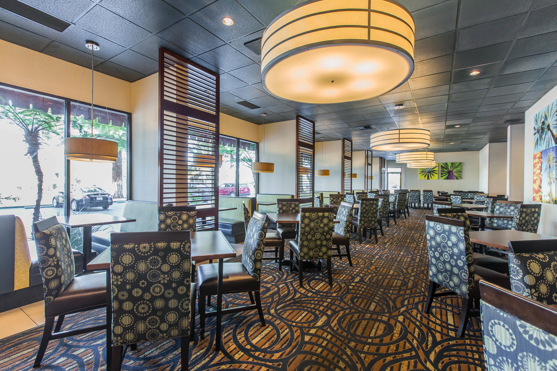Clarion Hotel Anaheim Resort In Anaheim, CA