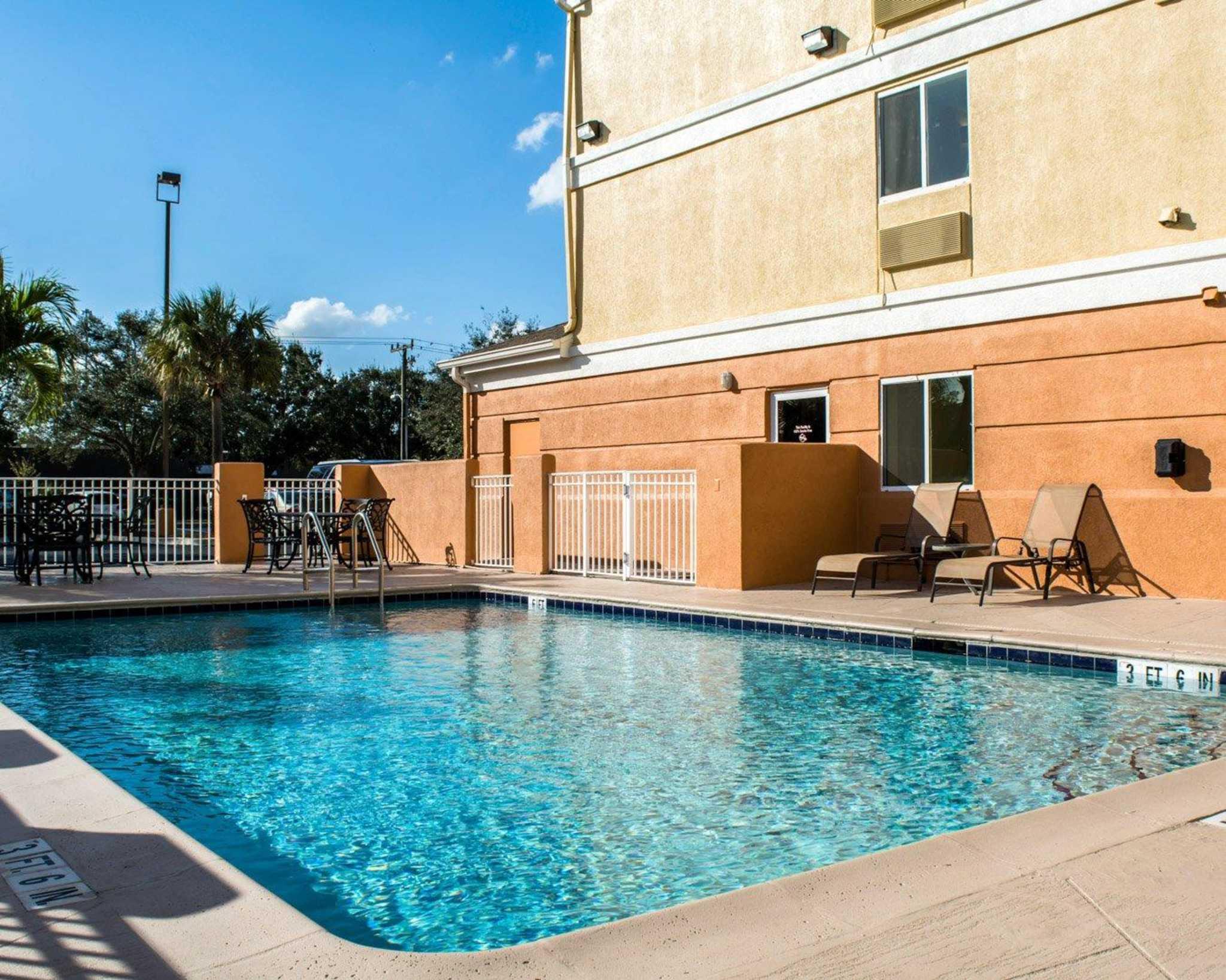 Comfort Inn Fort Myers Northeast image 14