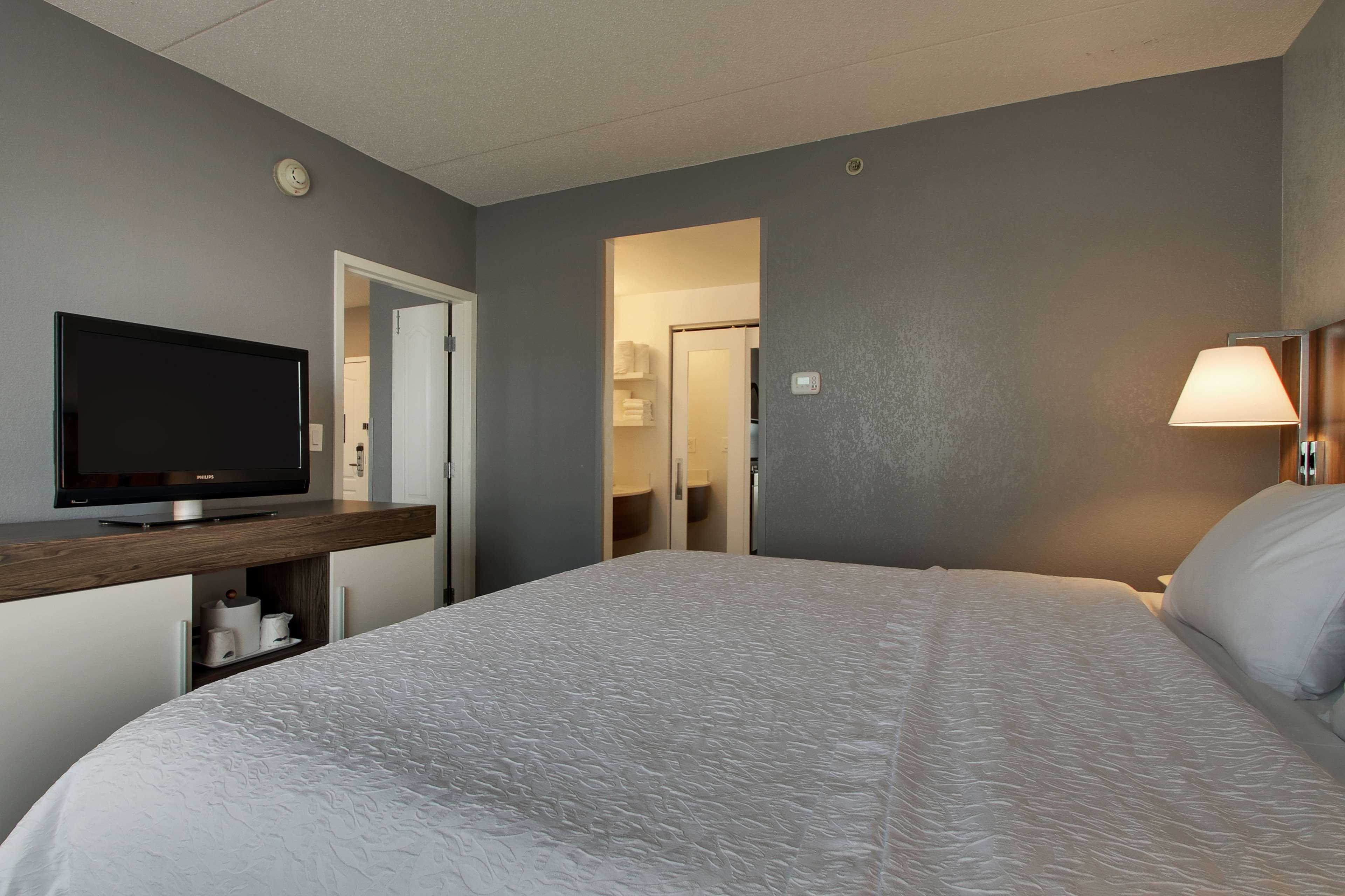 Hampton Inn & Suites Chicago/Aurora image 27