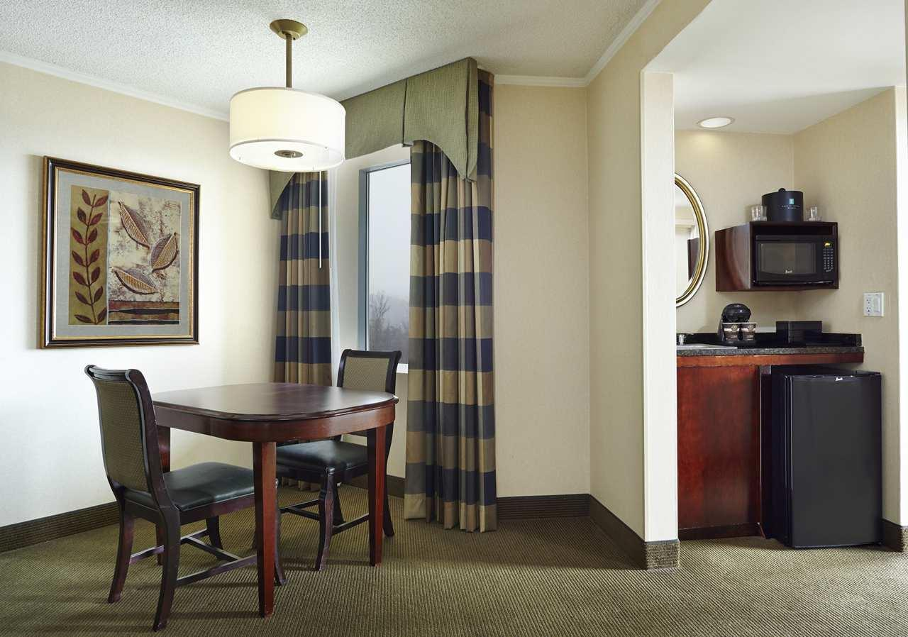 Embassy Suites by Hilton Baltimore at BWI Airport image 5