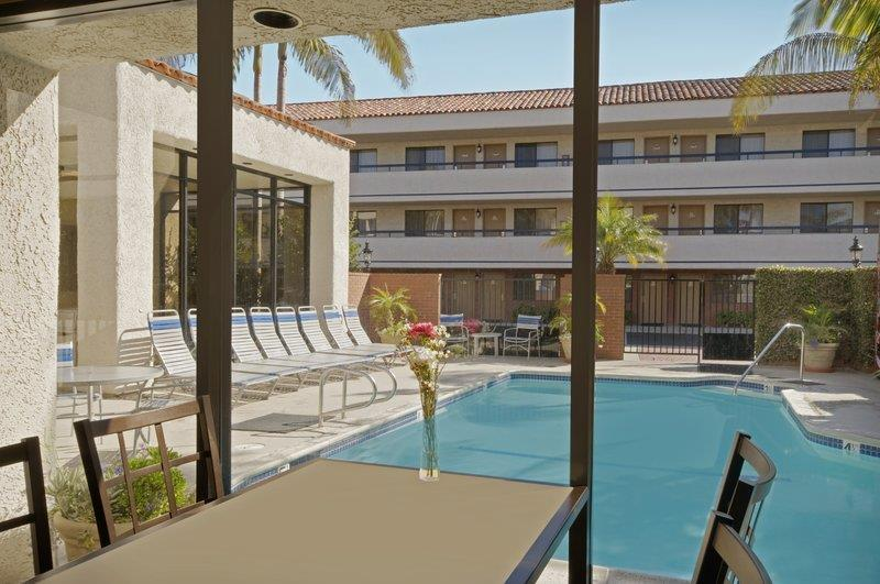 Best Western Plus Redondo Beach Inn image 43