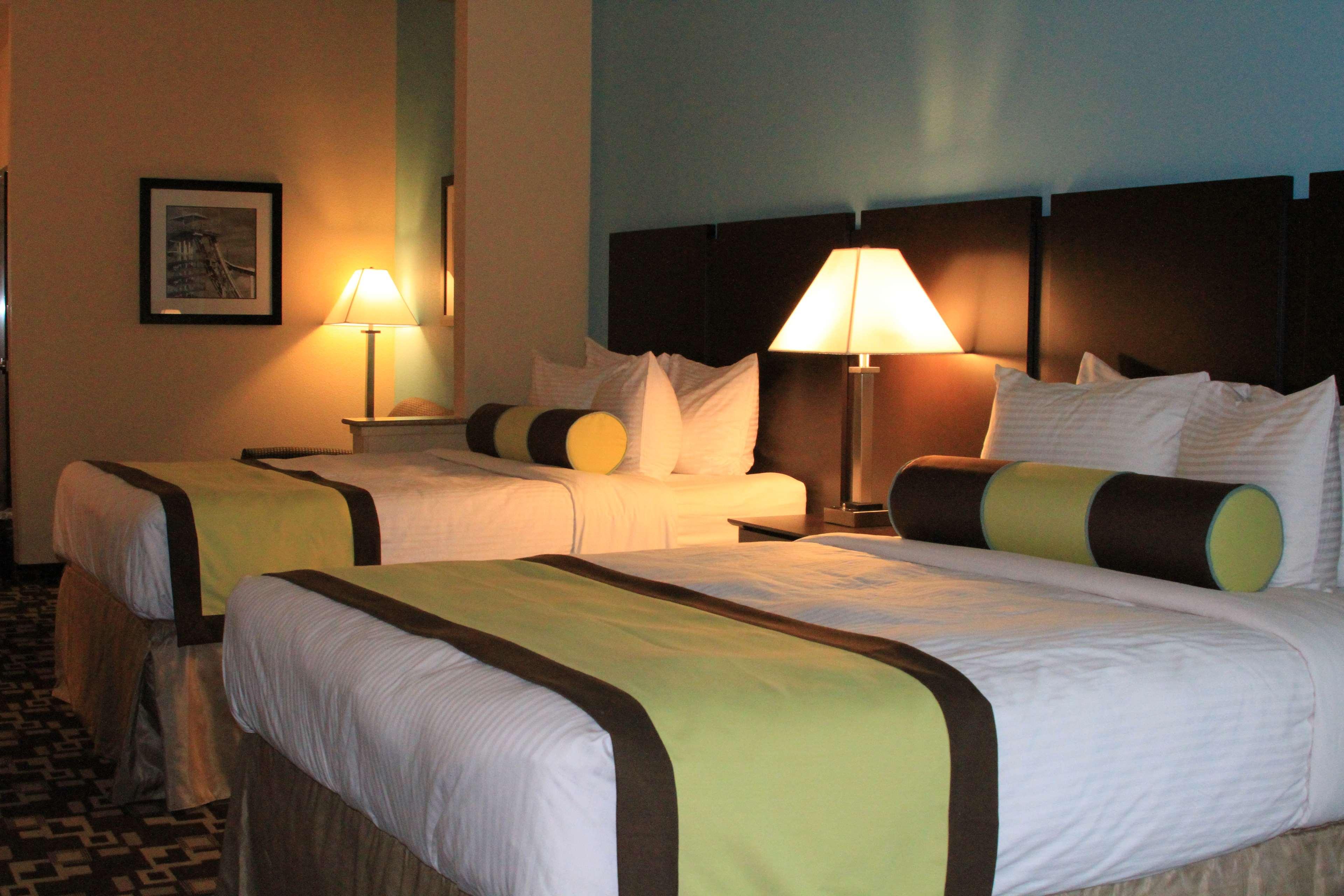 Best Western Plus Arlington North Hotel & Suites image 16
