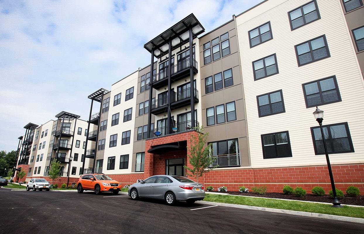 Excelsior Park Apartments image 9