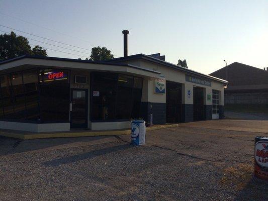 Harrods Creek Auto in Louisville, KY, photo #6