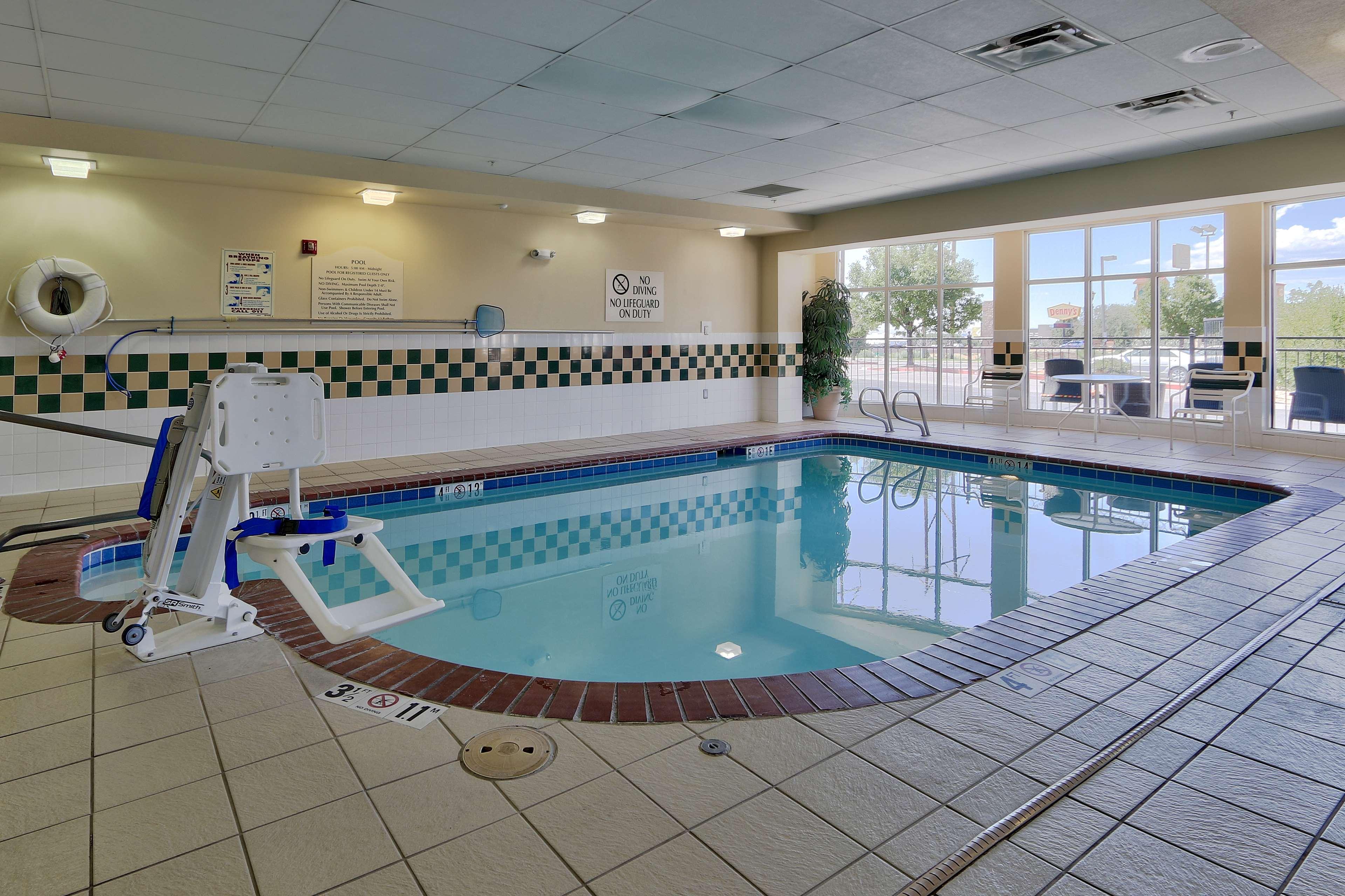 Hilton Garden Inn Albuquerque/Journal Center image 8