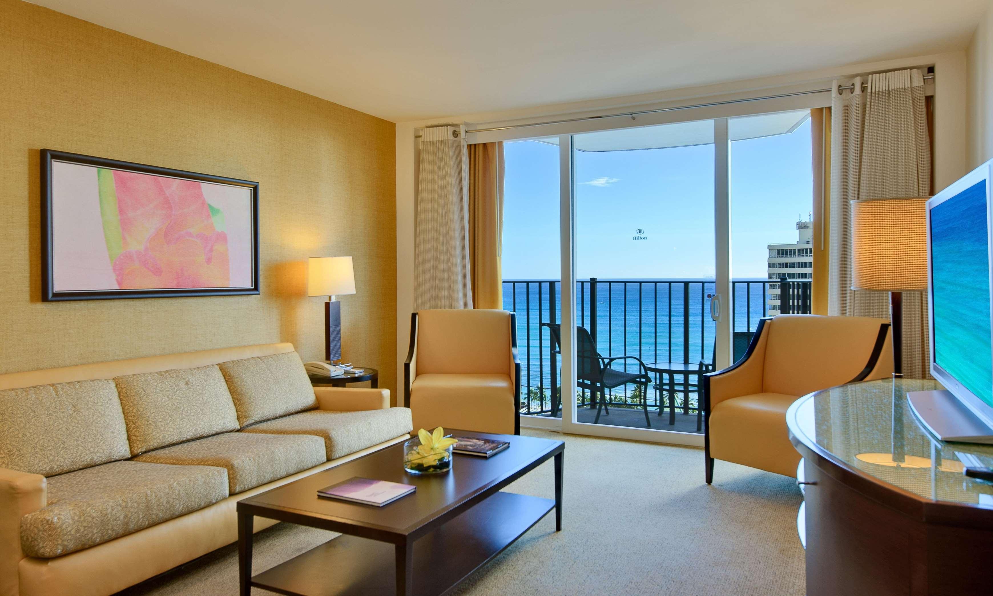 Hilton Waikiki Beach image 16
