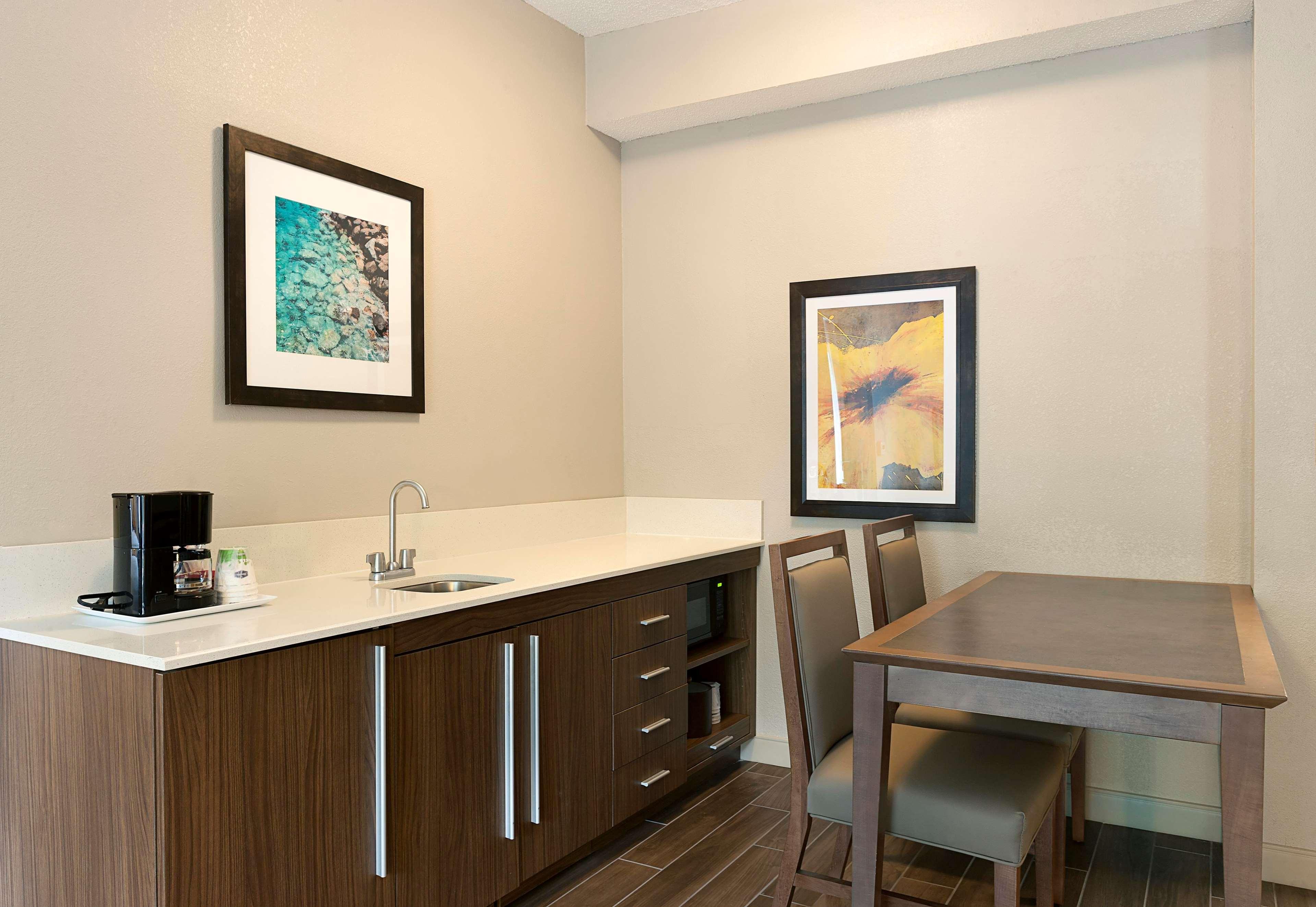 Hampton Inn & Suites Charlotte/Pineville image 0