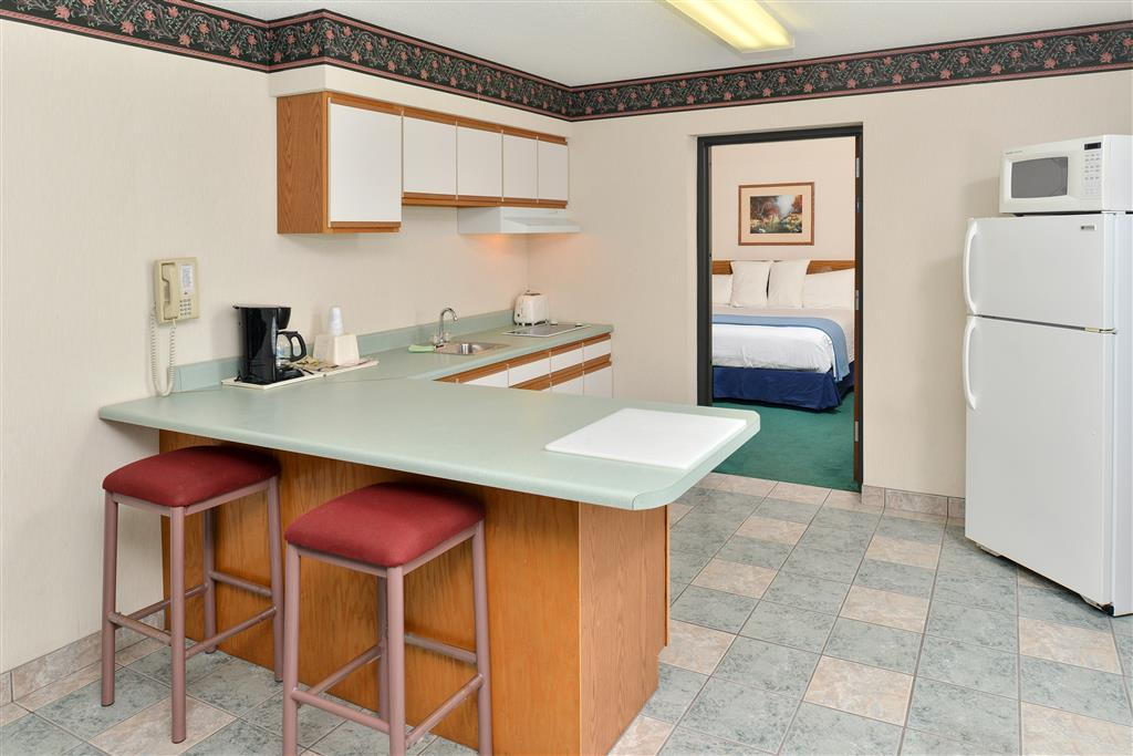 Americas Best Value Inn - Tahquamenon Country image 8