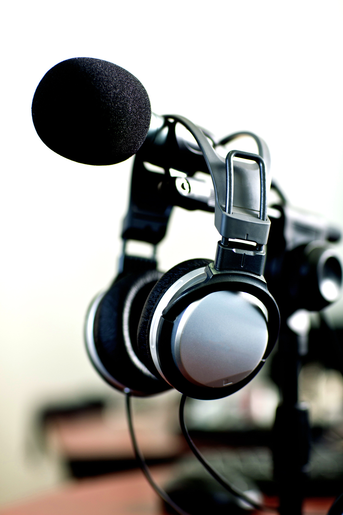Radio El Saddai Inter - Brooklyn, NY 11210 - (718)758-5840 | ShowMeLocal.com