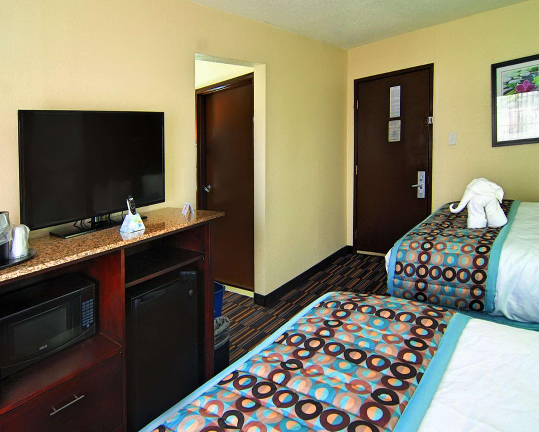 Best Western Plus Elizabeth City Inn & Suites image 37