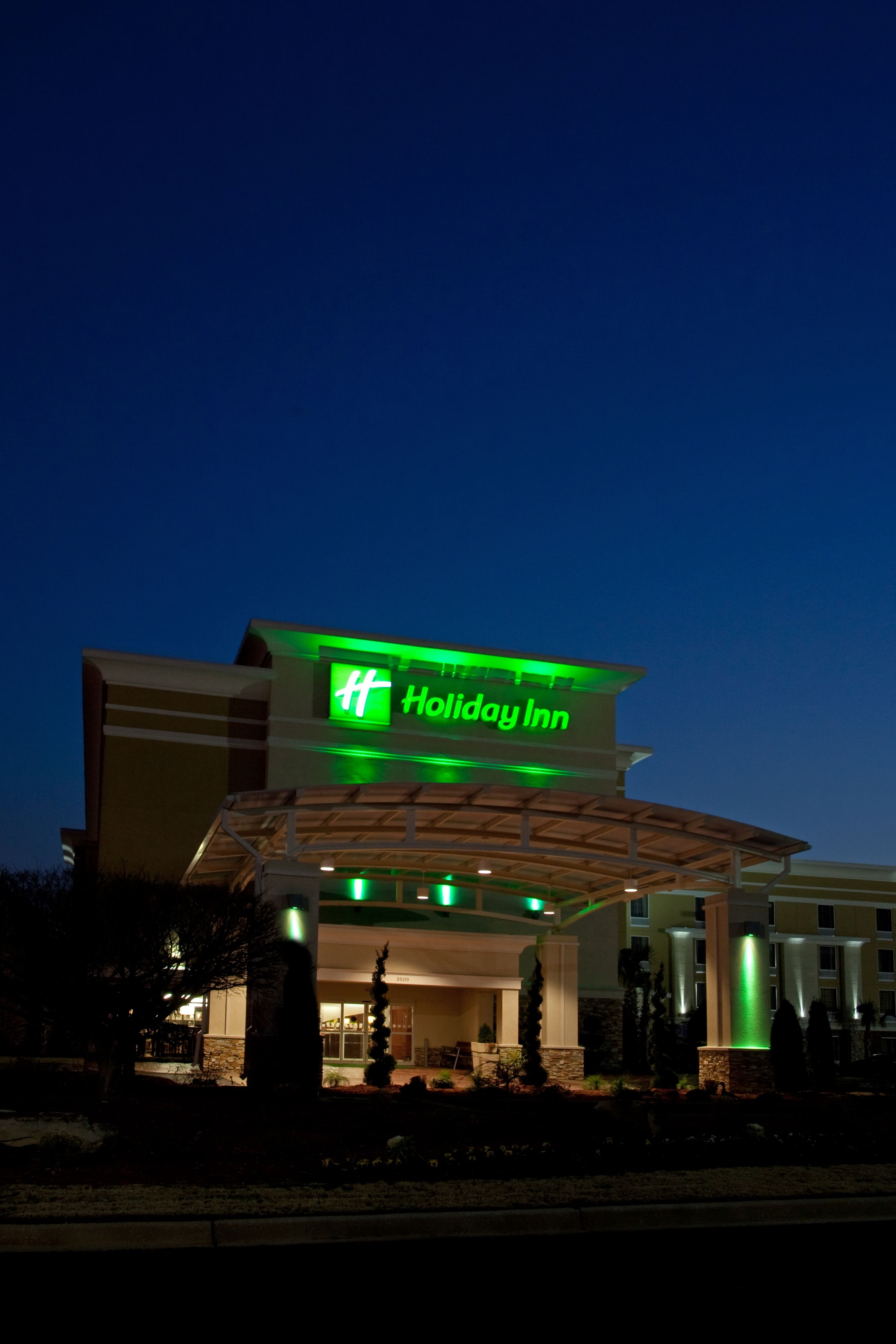 Holiday Inn Anaheim - Fullerton image 5