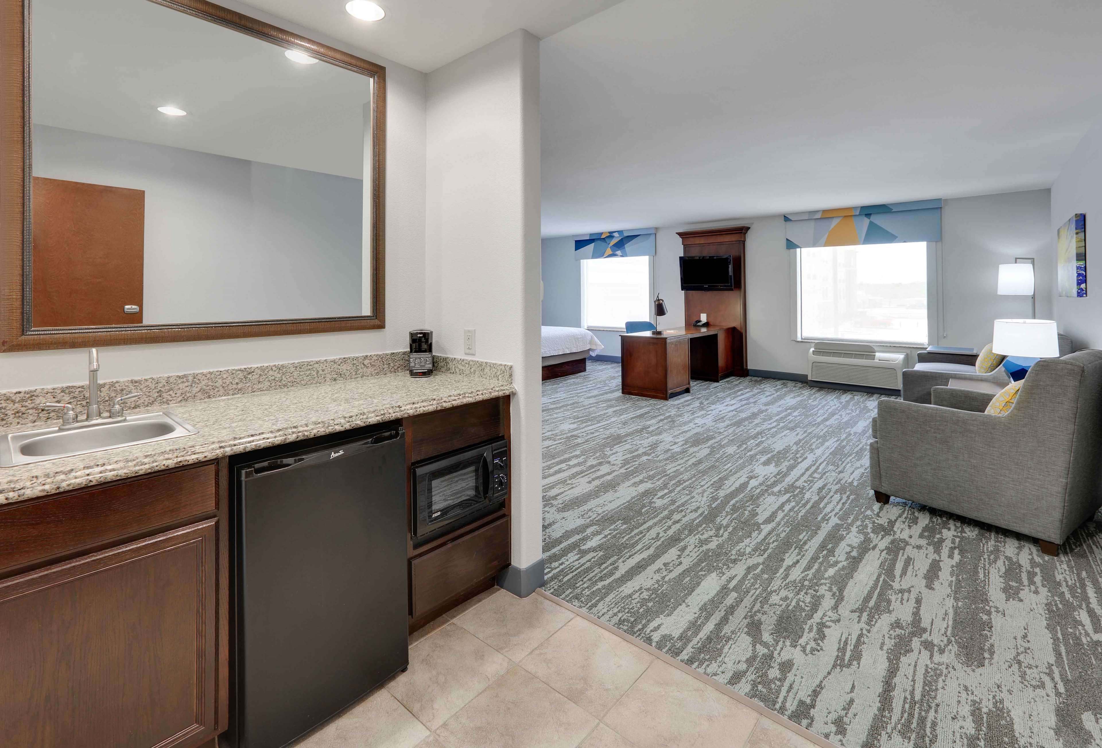 Hampton Inn & Suites Dallas-Arlington-South image 37