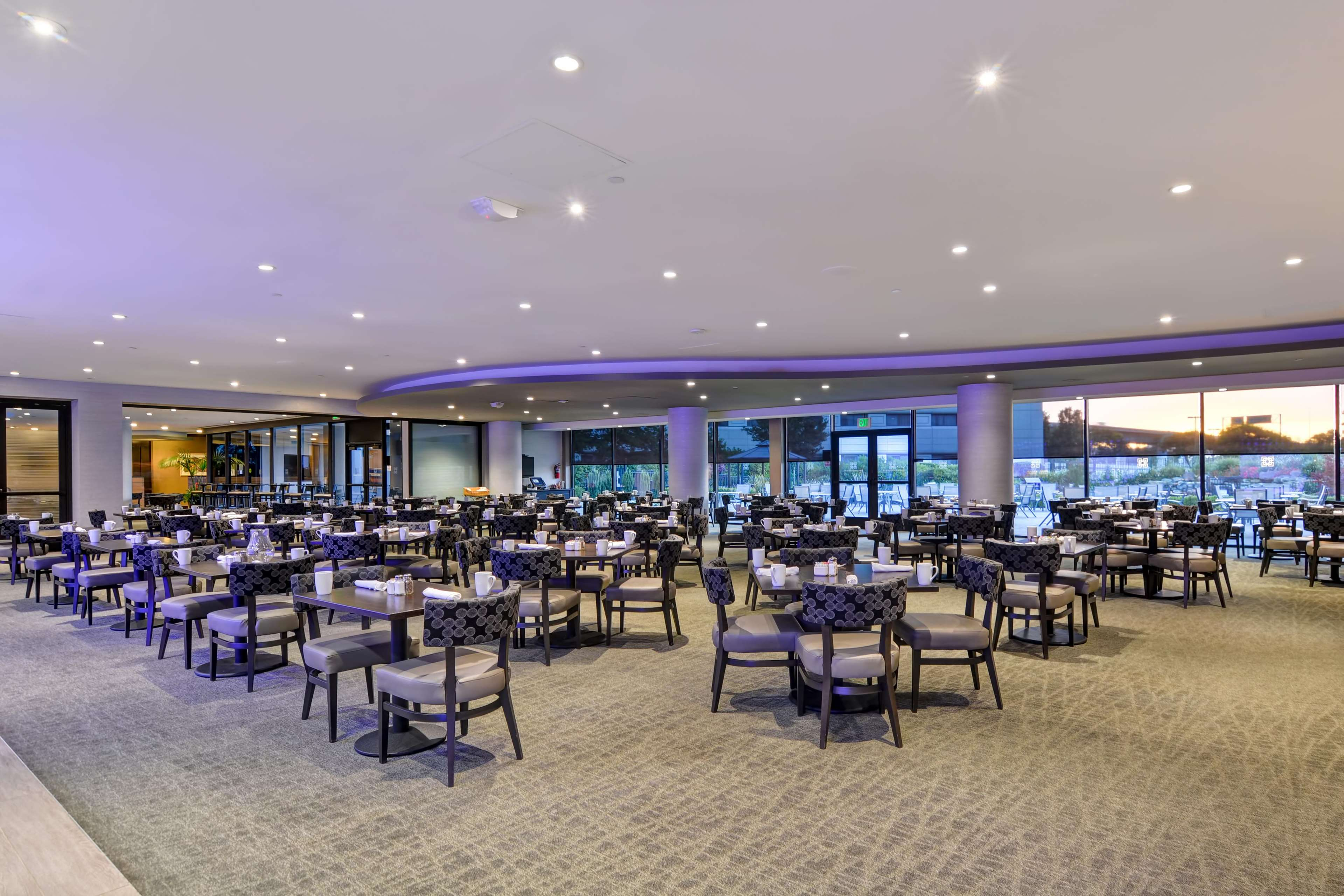 DoubleTree by Hilton Hotel Pleasanton at the Club image 12