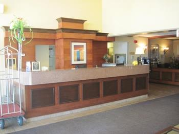 Best Western Laval-Montreal à Laval: Reception Desk