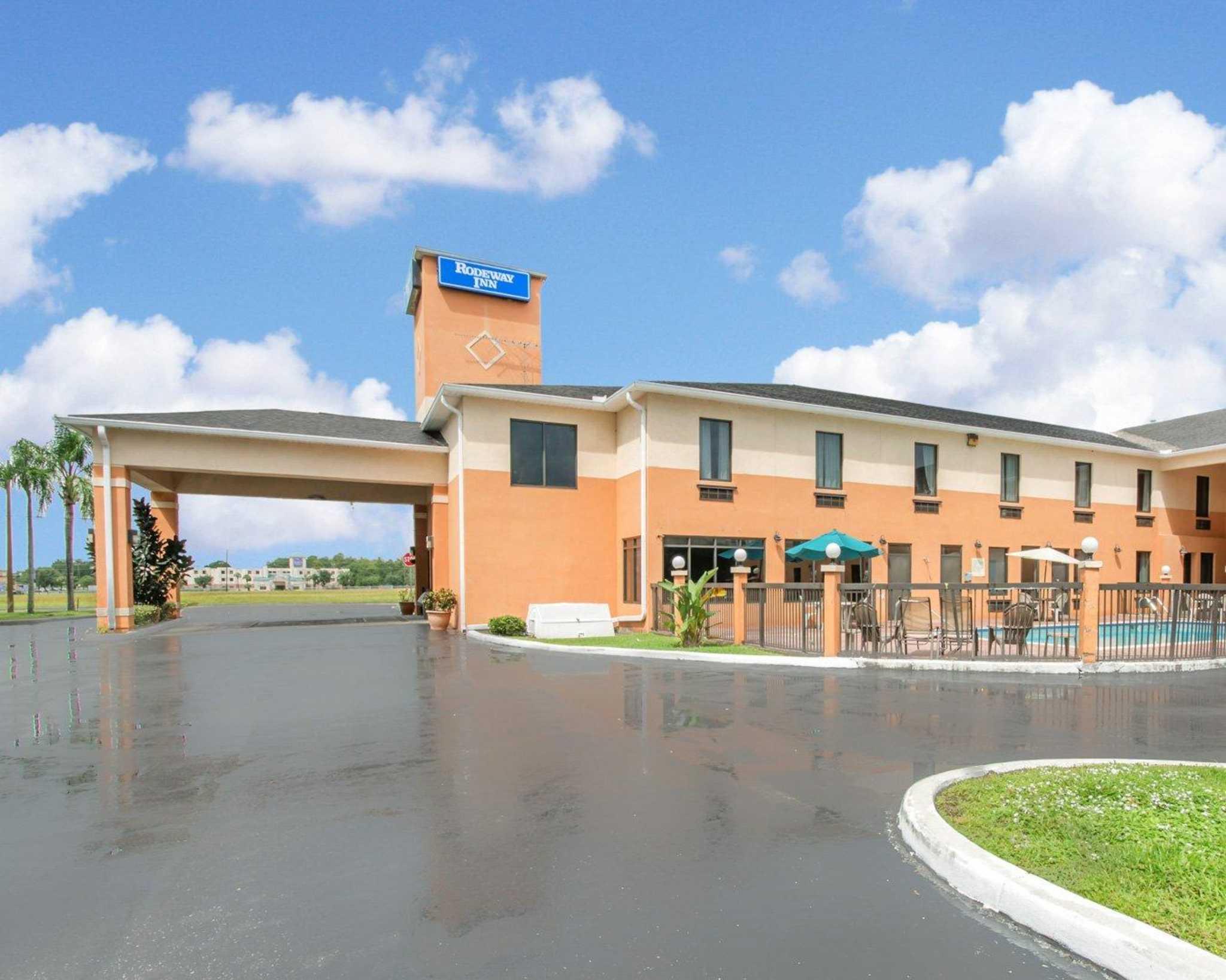 Rodeway Inn image 1