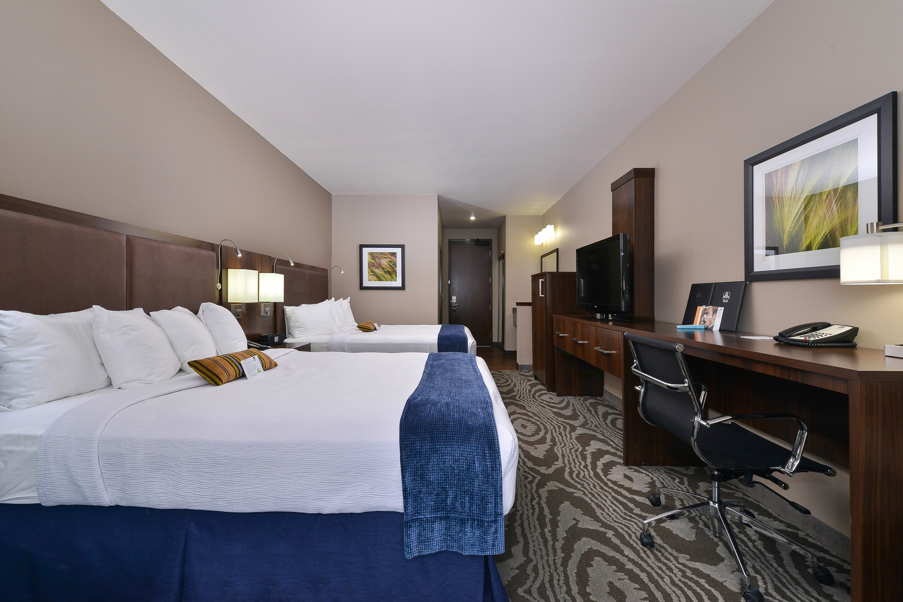 Best Western Plus Williston Hotel & Suites image 17