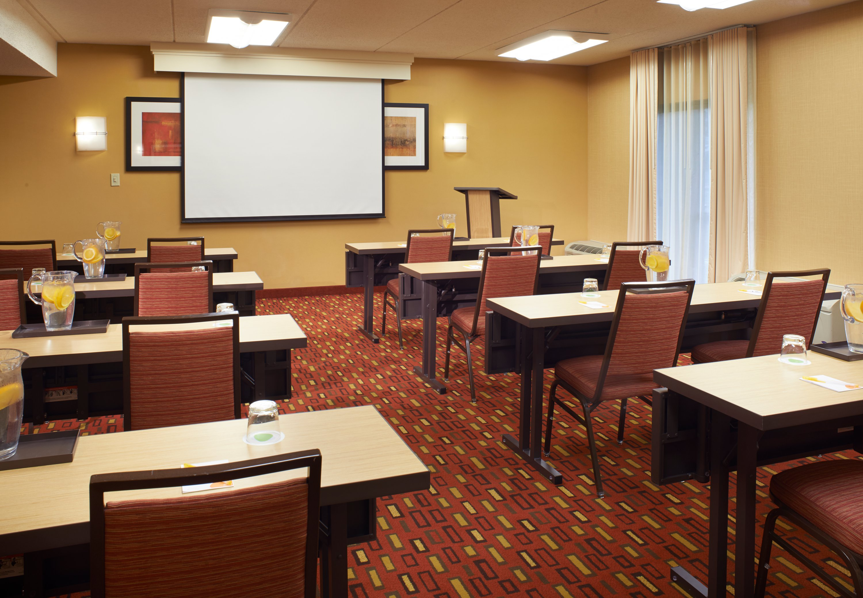 Courtyard by Marriott Chicago Oakbrook Terrace image 14