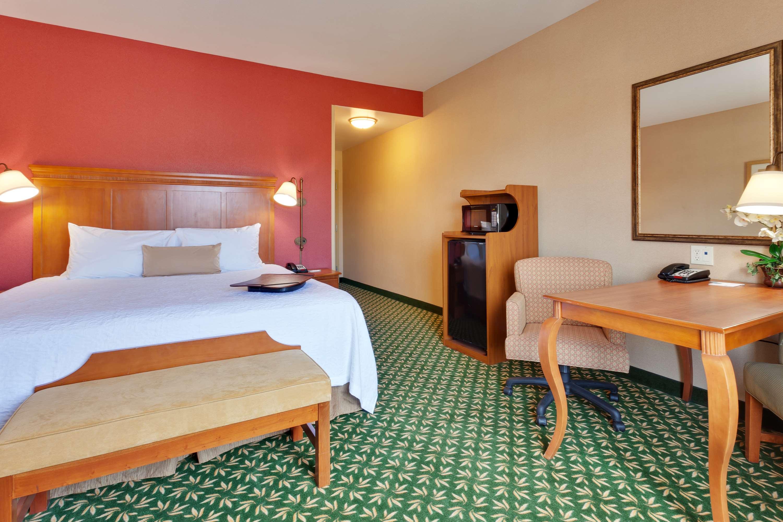 Hampton Inn & Suites Windsor - Sonoma Wine Country image 7