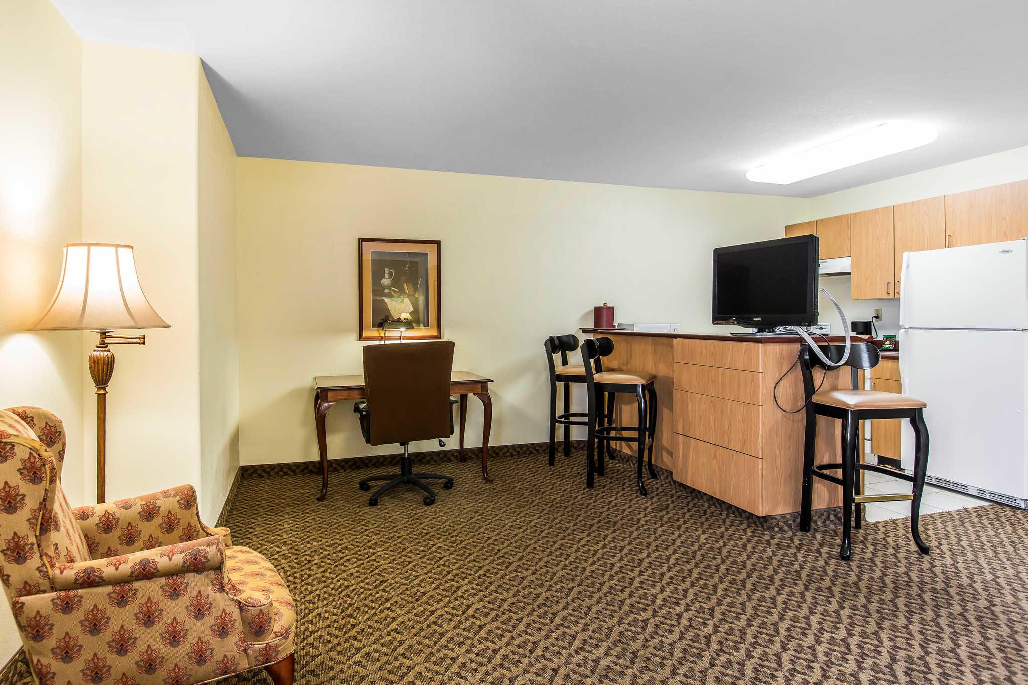 Comfort Inn & Suites El Centro I-8 image 9
