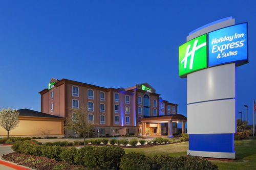 Holiday Inn Express & Suites Corsicana I-45 image 0